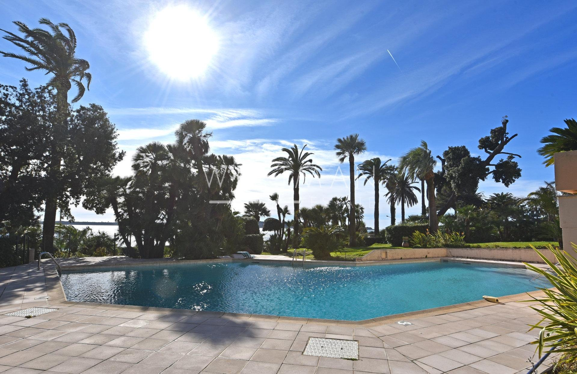 Apartment with terace - Cannes Palm Beach