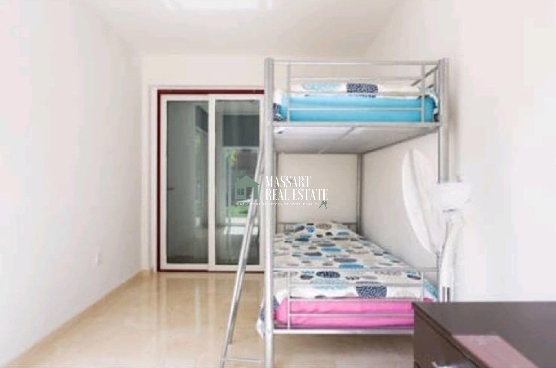 En venta en el residencial Los Balandros (Palm-Mar), amplio y moderno apartamento.