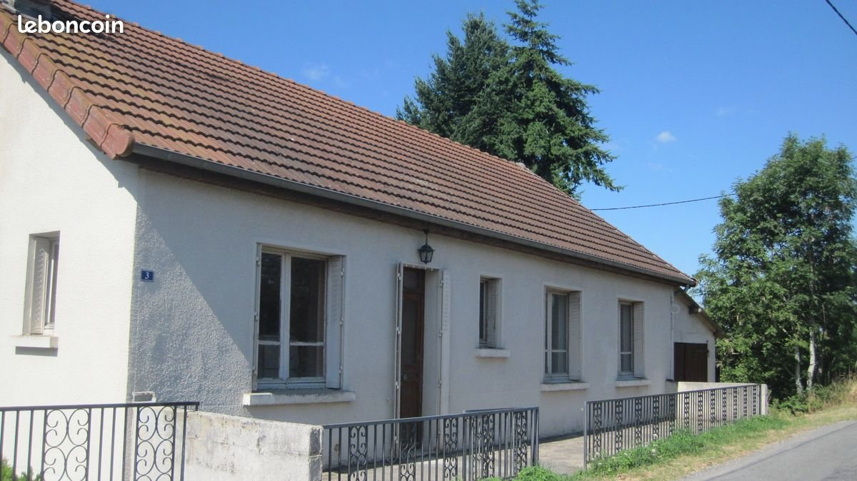 For sale in the Creuse, beautifully situated house,3000m².
