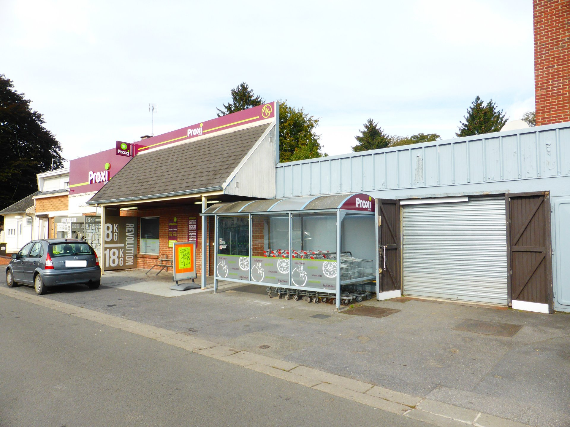 Local commercial 730m²