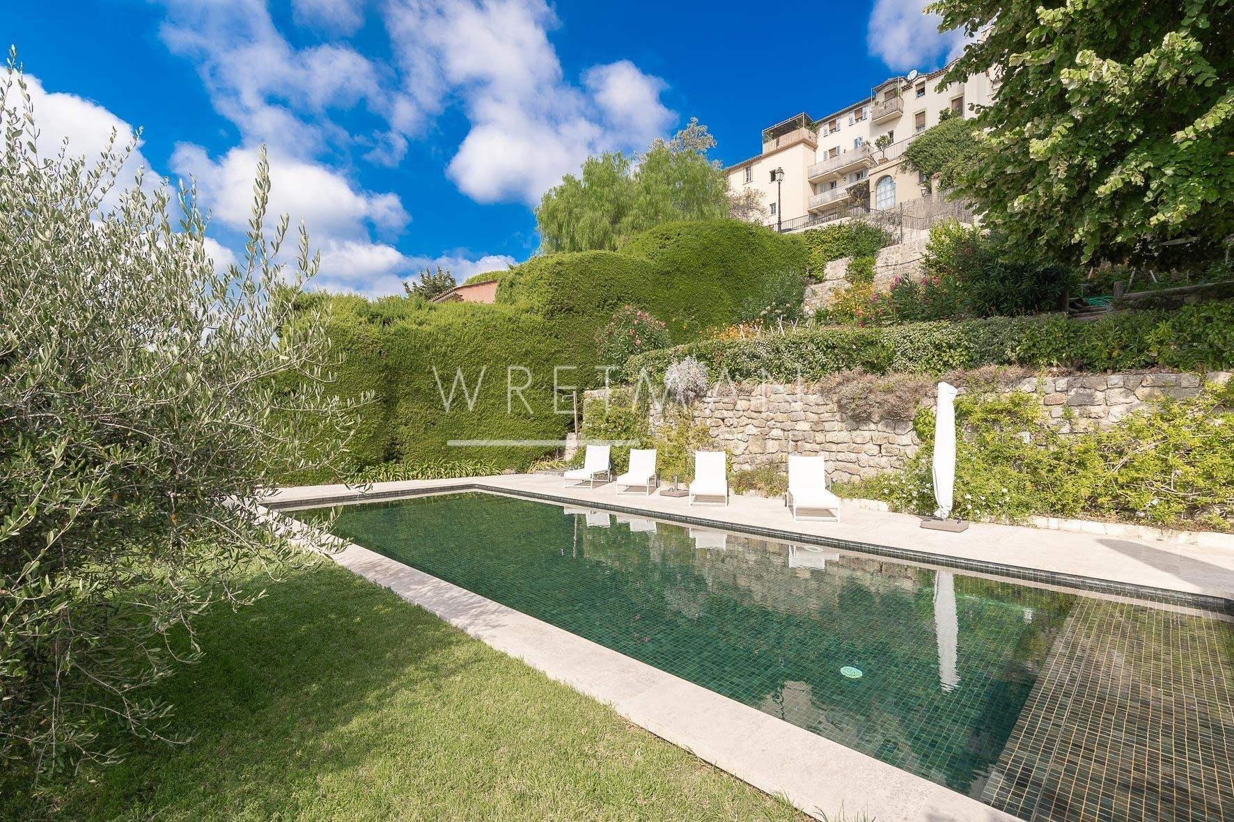 Architectural house and garden with guesthouse, big pool and panoramic seaview  - Chateauneuf
