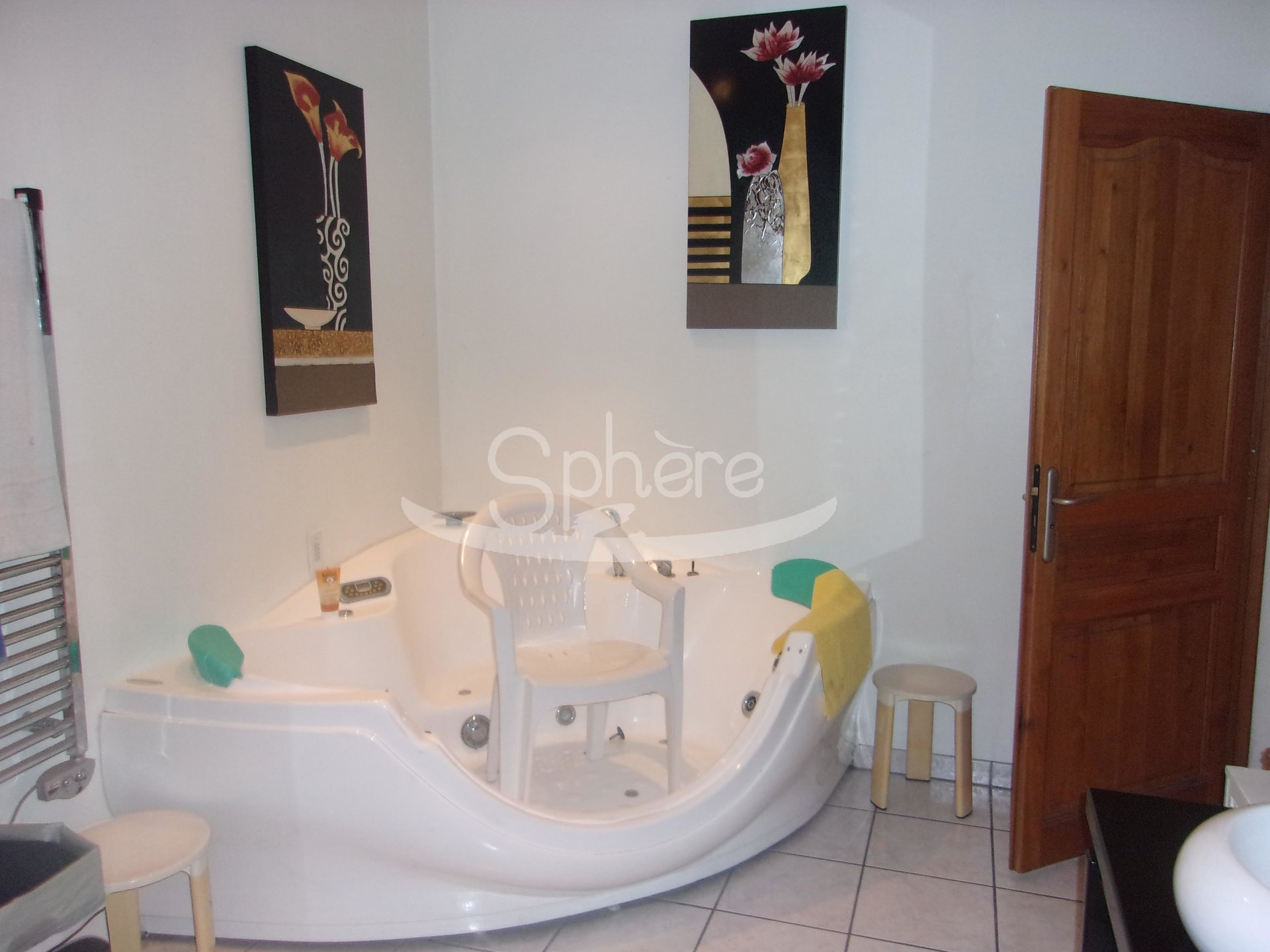 Sale Premises - Limoux