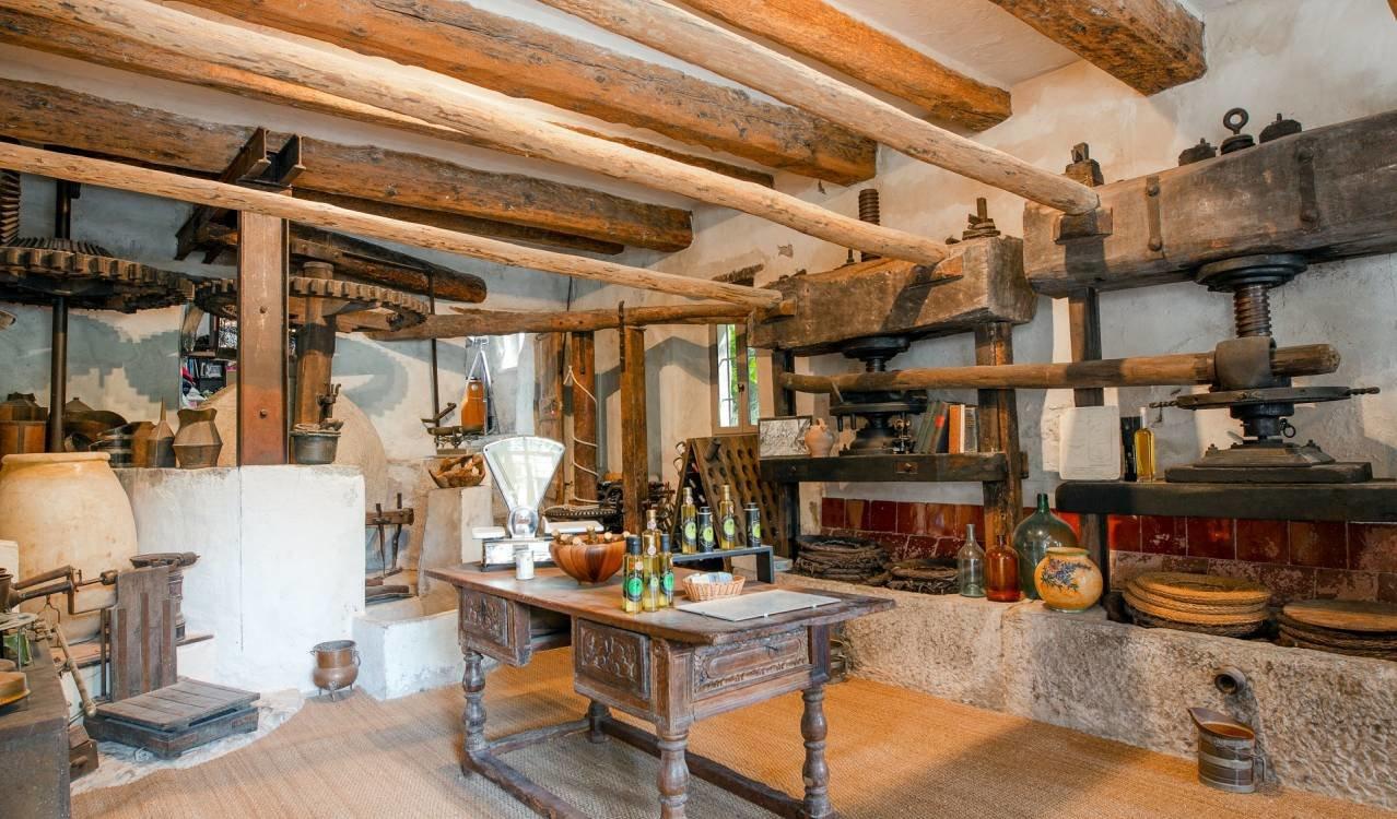 XVIII'th Century Property