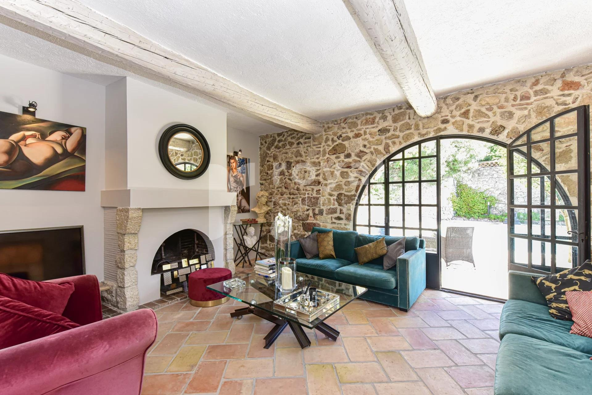 Old pottery for rent furnished in Biot