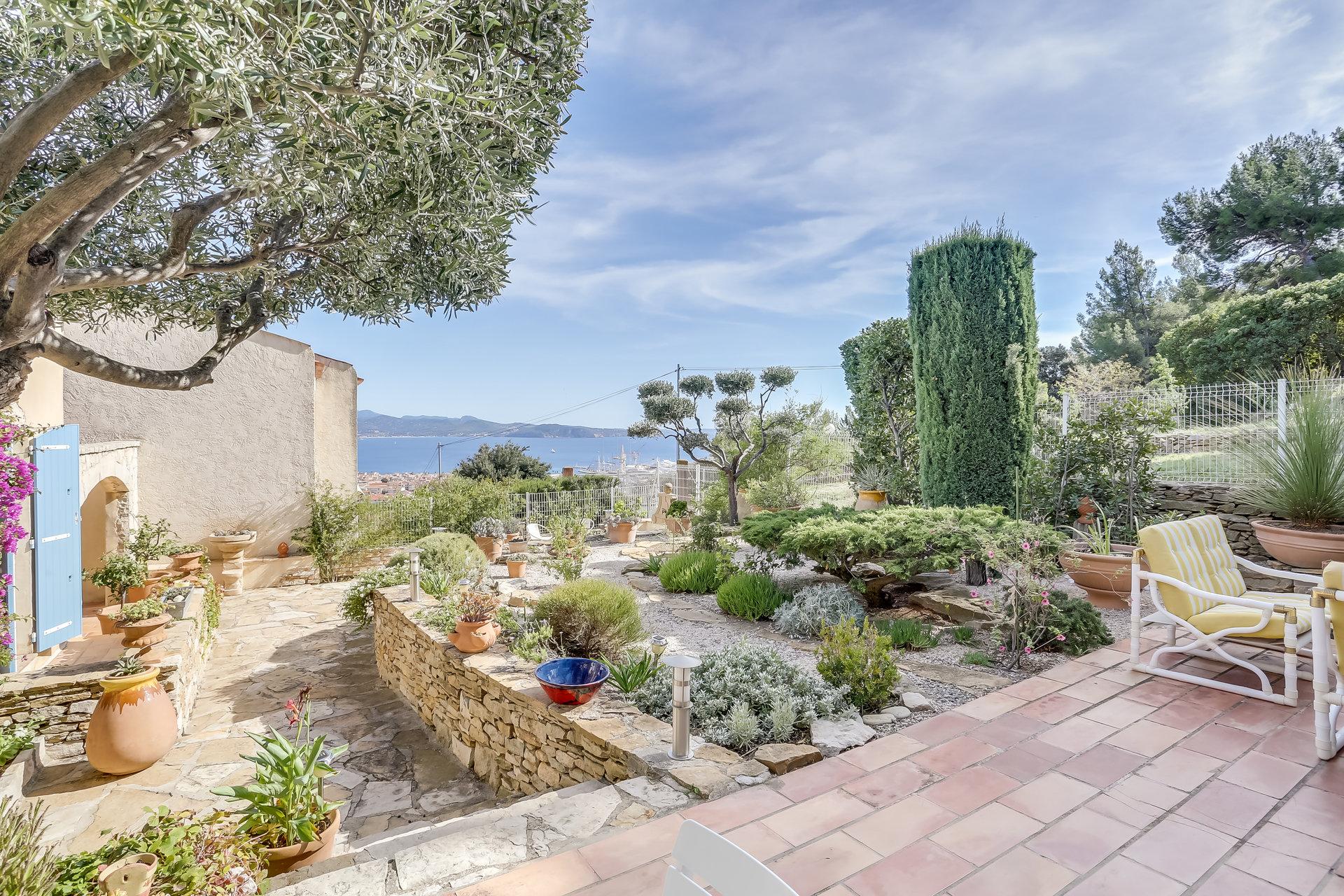 Villa avec vue mer à Vendre à La Ciotat