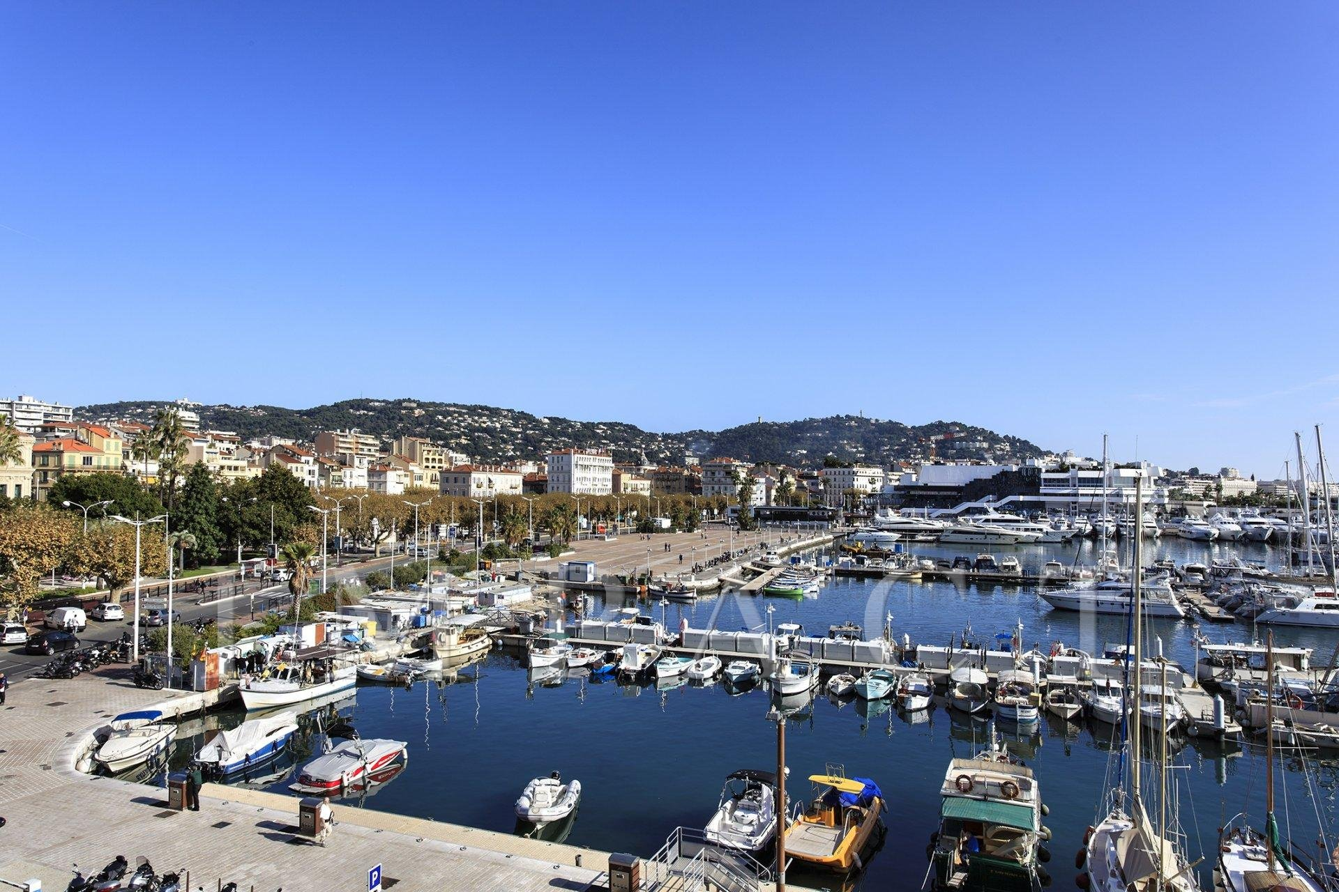 Apartment to rent, Old pier, Cannes