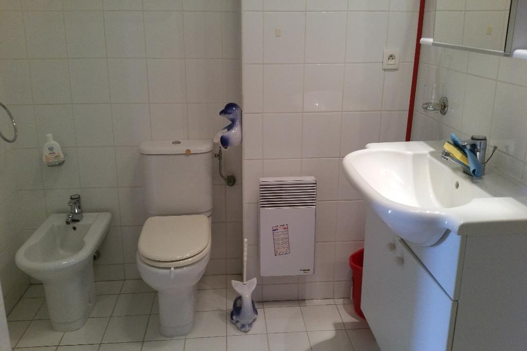 Apartment Floor 4, View Mer / citadine, Position south east, General condition Excellent, Kitchen Installed, ...