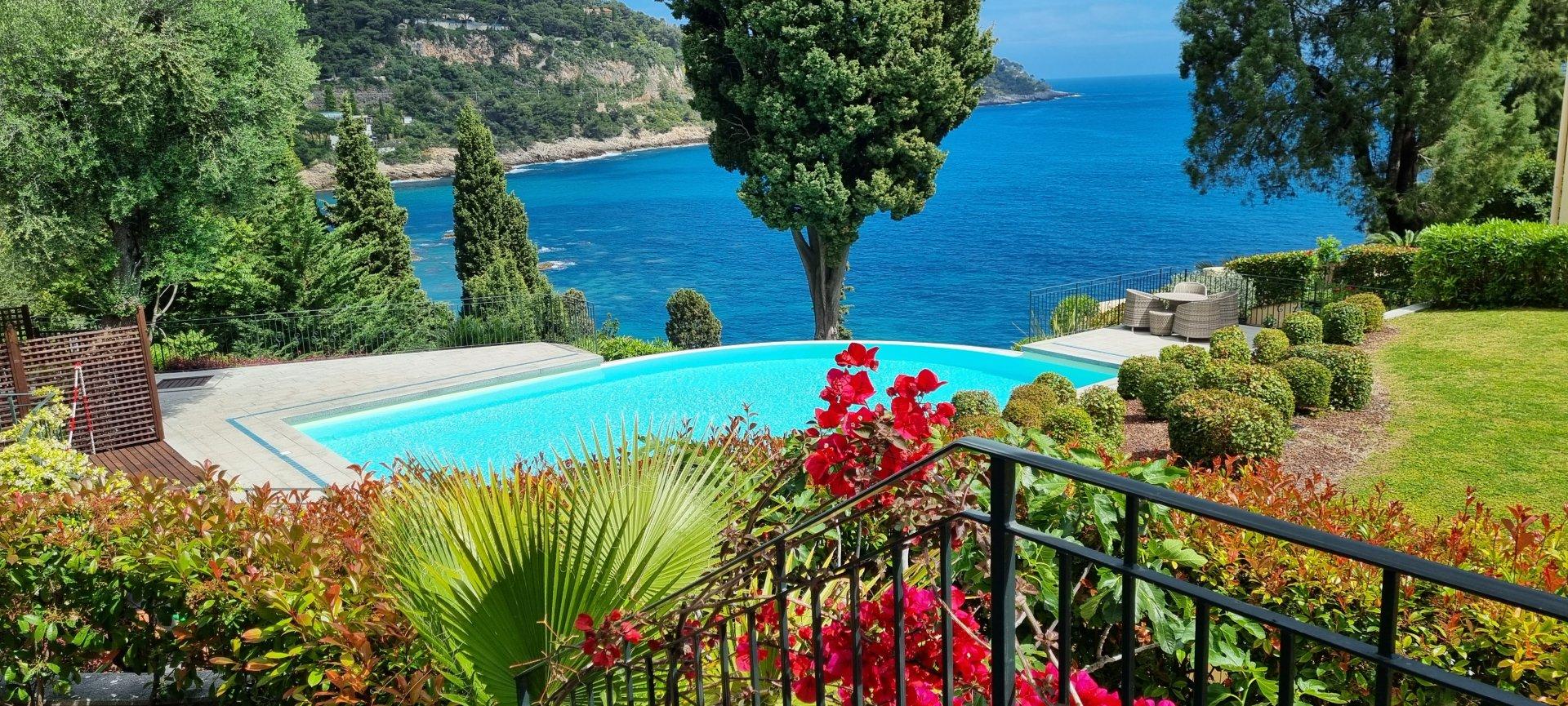 Résidence Luxe, piscine et proche plage à pied.