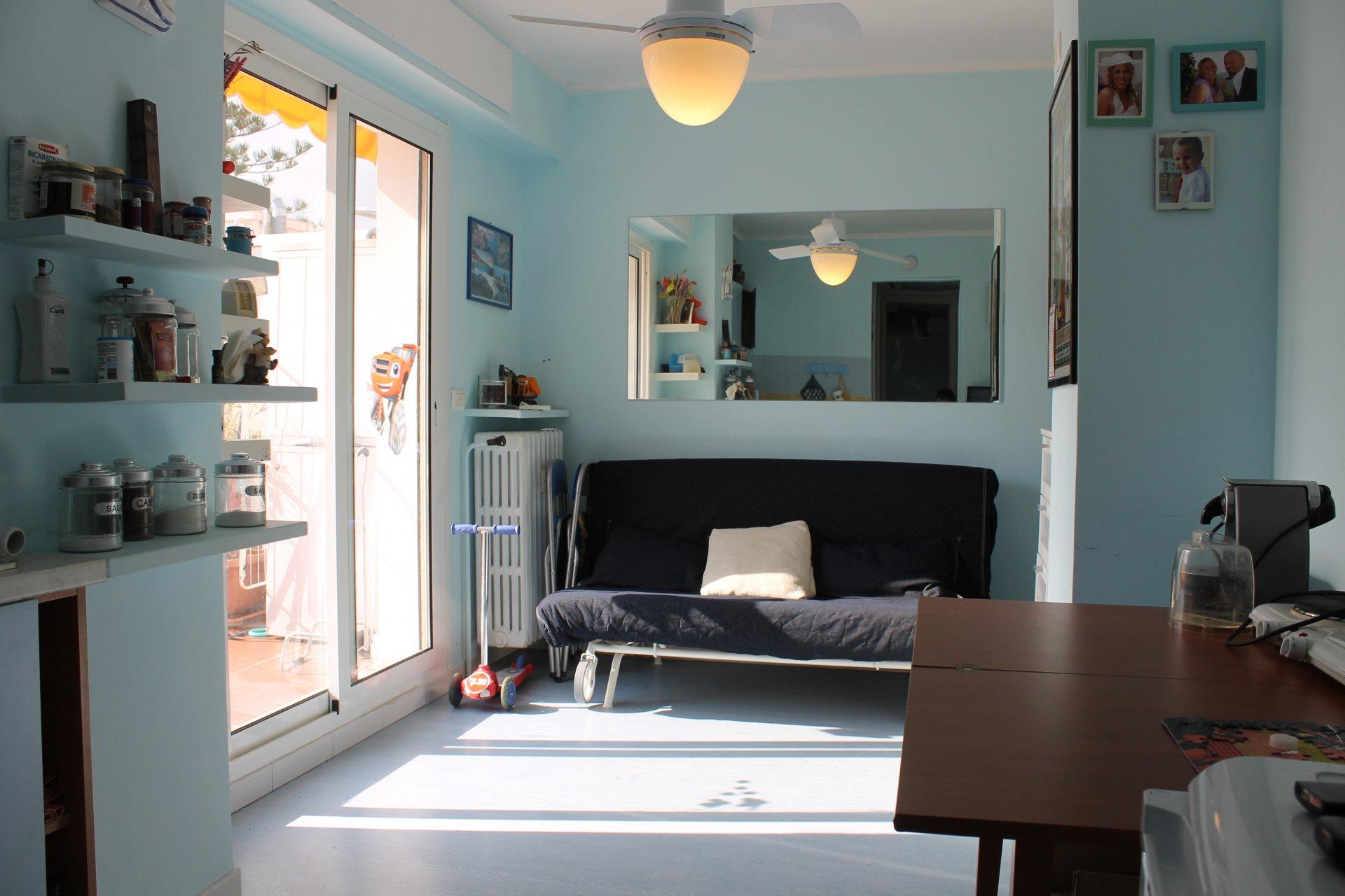 contrat ETUDIANT ou bail mobilité uniquement -  charmant studio avec cabine plein centre ville