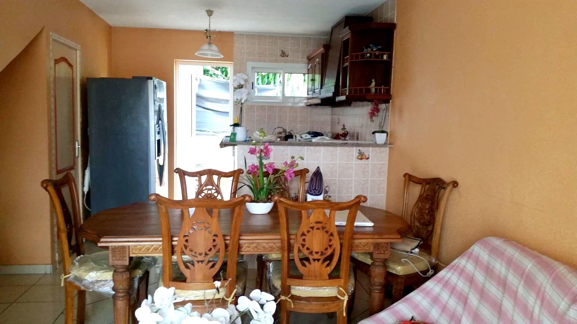 A La Rivière Saint Louis Maison jumelée F3 127 000€
