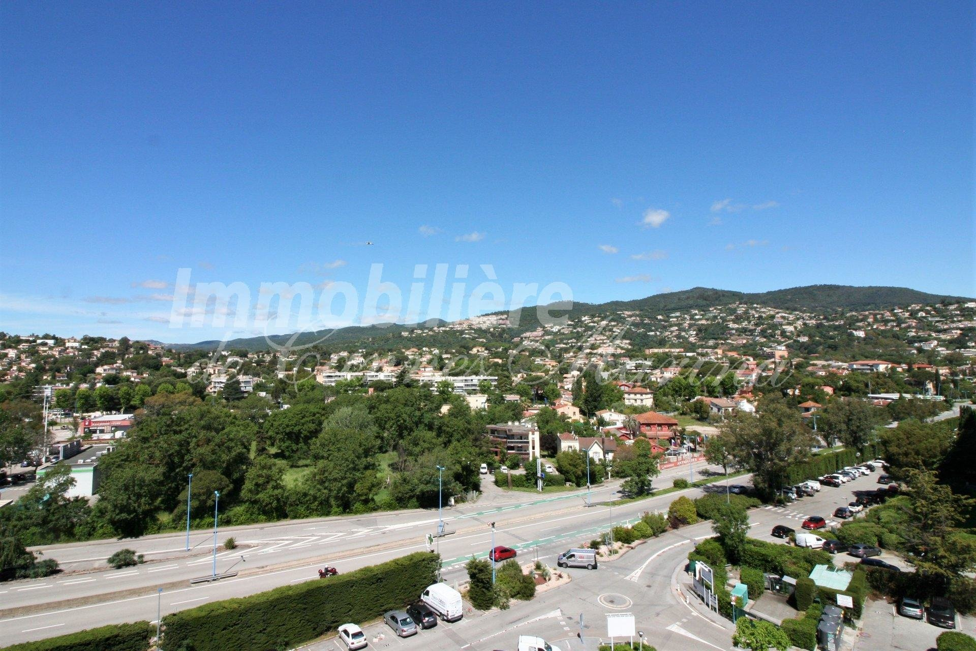 Panoramic view of the Mandelieu hills
