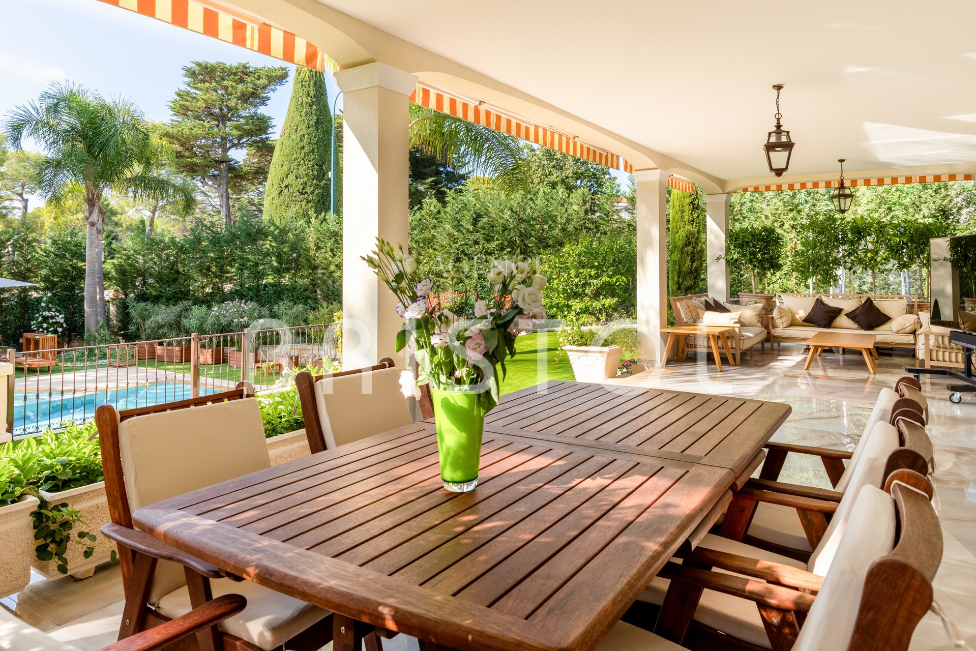 Luxury property located  in the heart of Saint Jean Cap Ferrat 320 sqm
