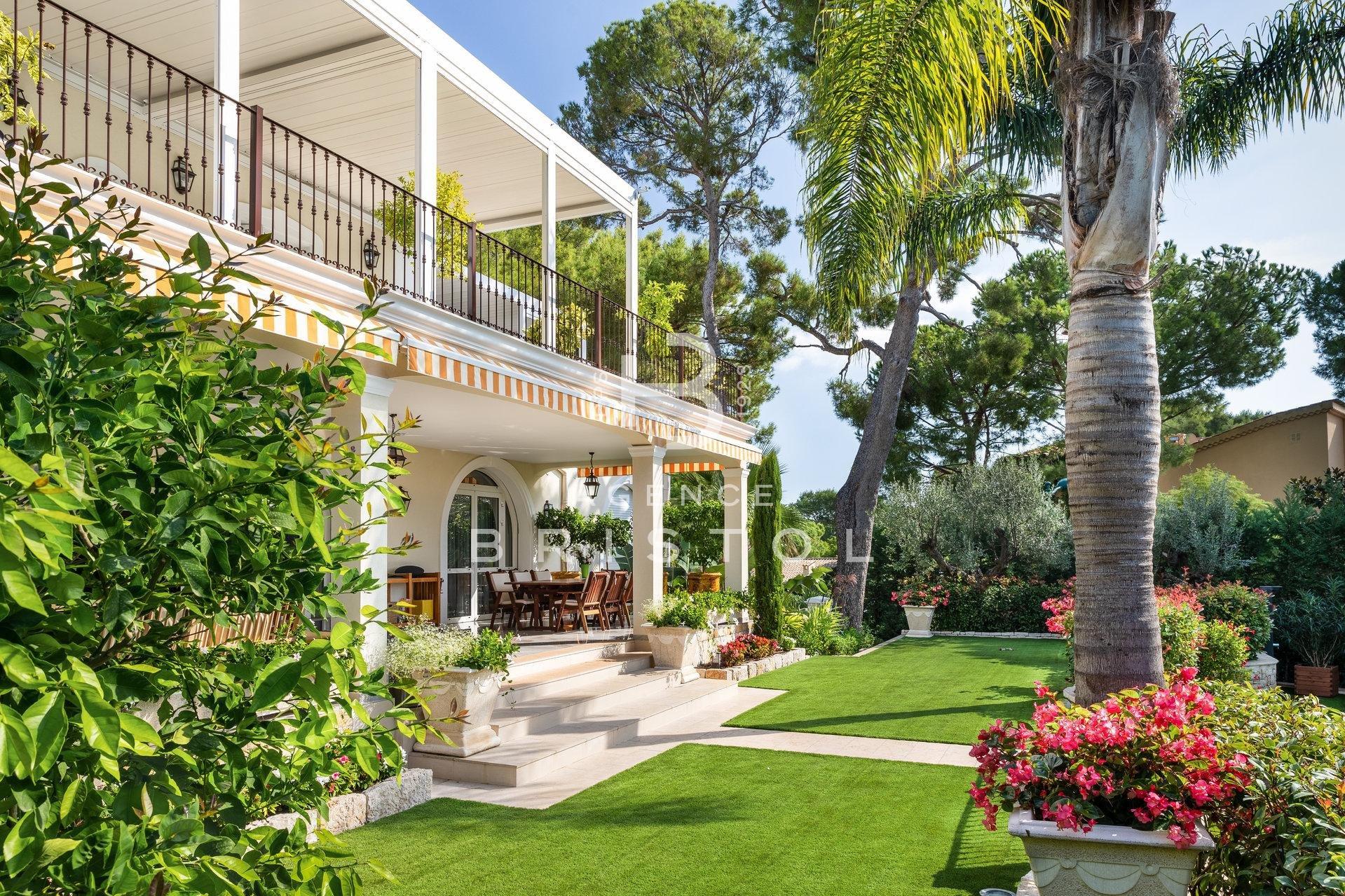 Luxury property close to Grand Hotel in Cap Ferrat