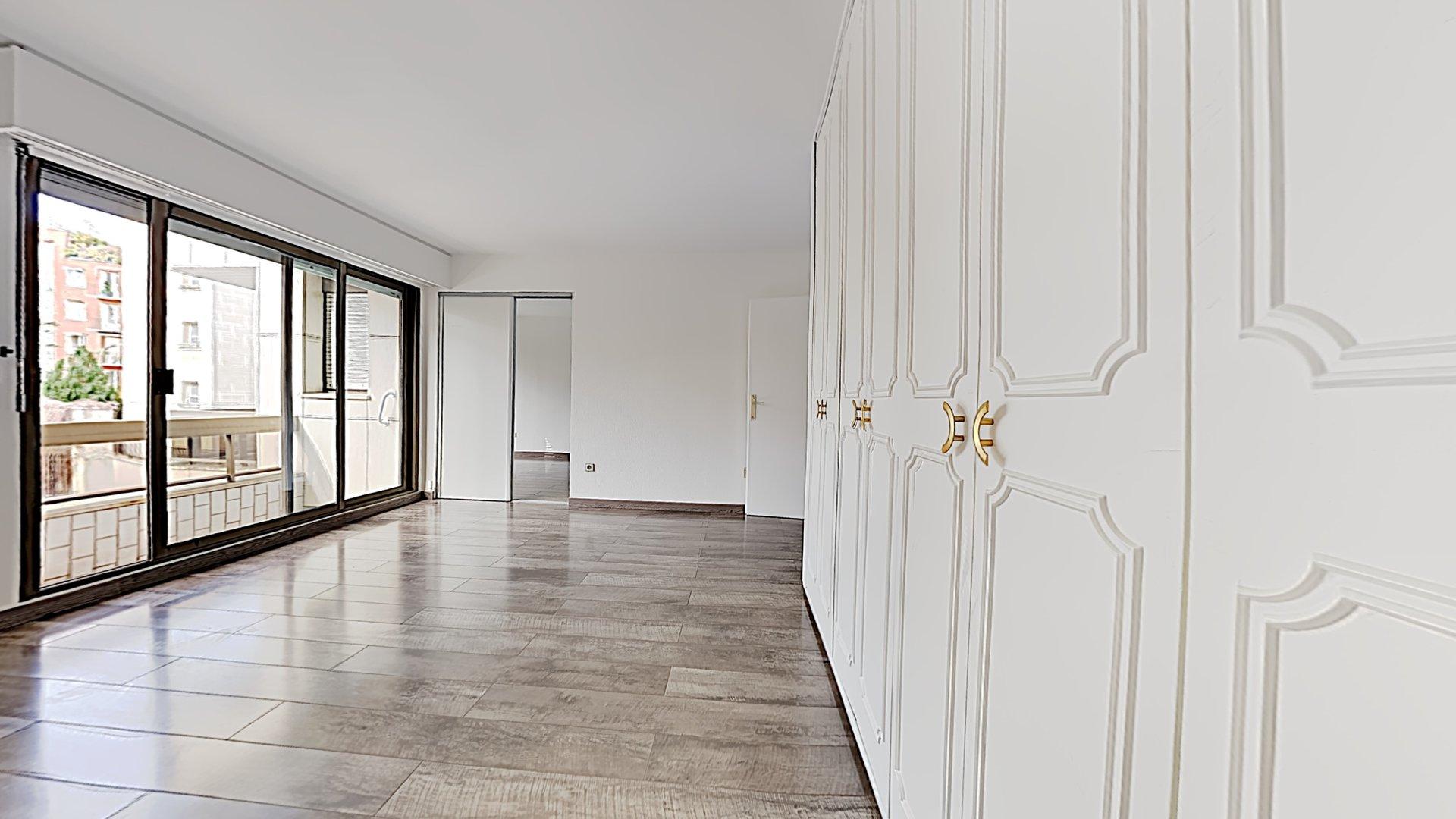 A louer - Appartement 2 pièces de 42m² avec balcons - Neuilly-sur-Seine (92200) MÉTRO PONT DE NEUILLY (L1)