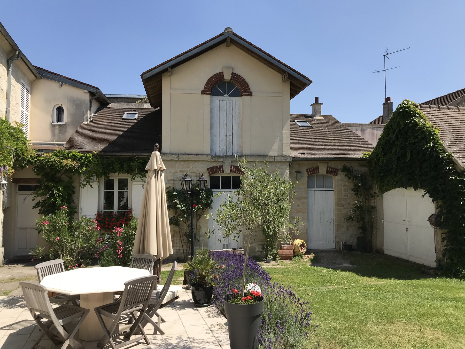 Demeure de Charme - proche  Chantilly - 670 000 € FAI