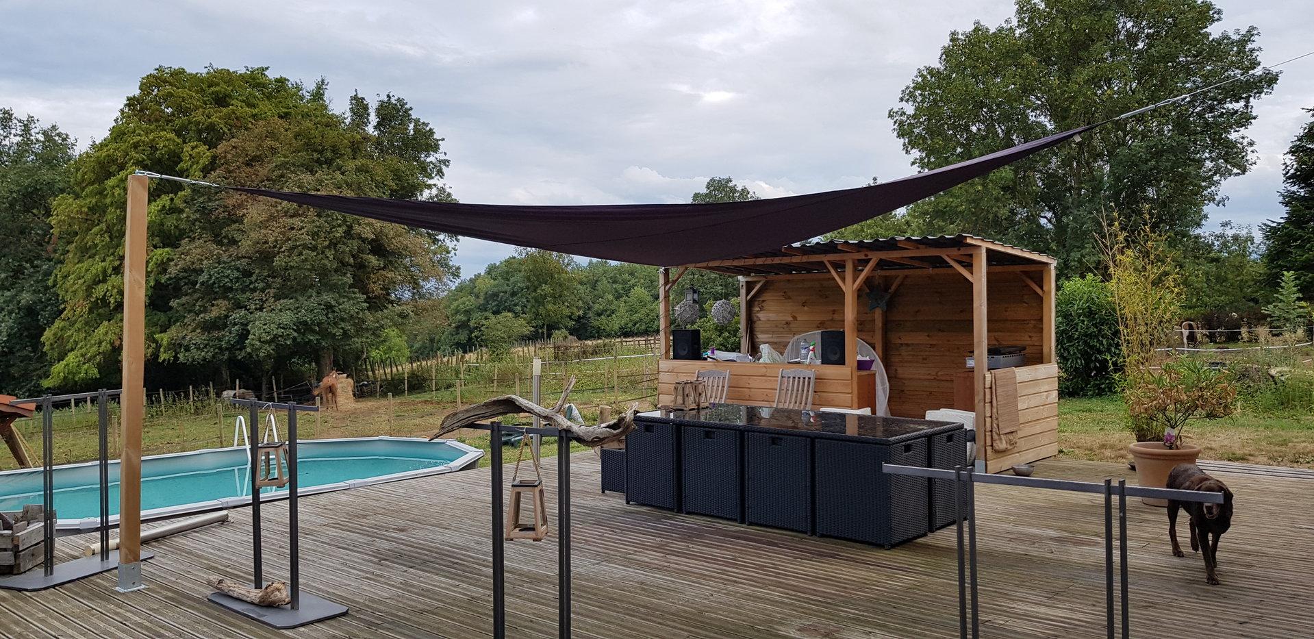 POMMIER DE BEAUREPAIRE, Villa (2004) T5 de 160 m² avec terrain de 9500 m².