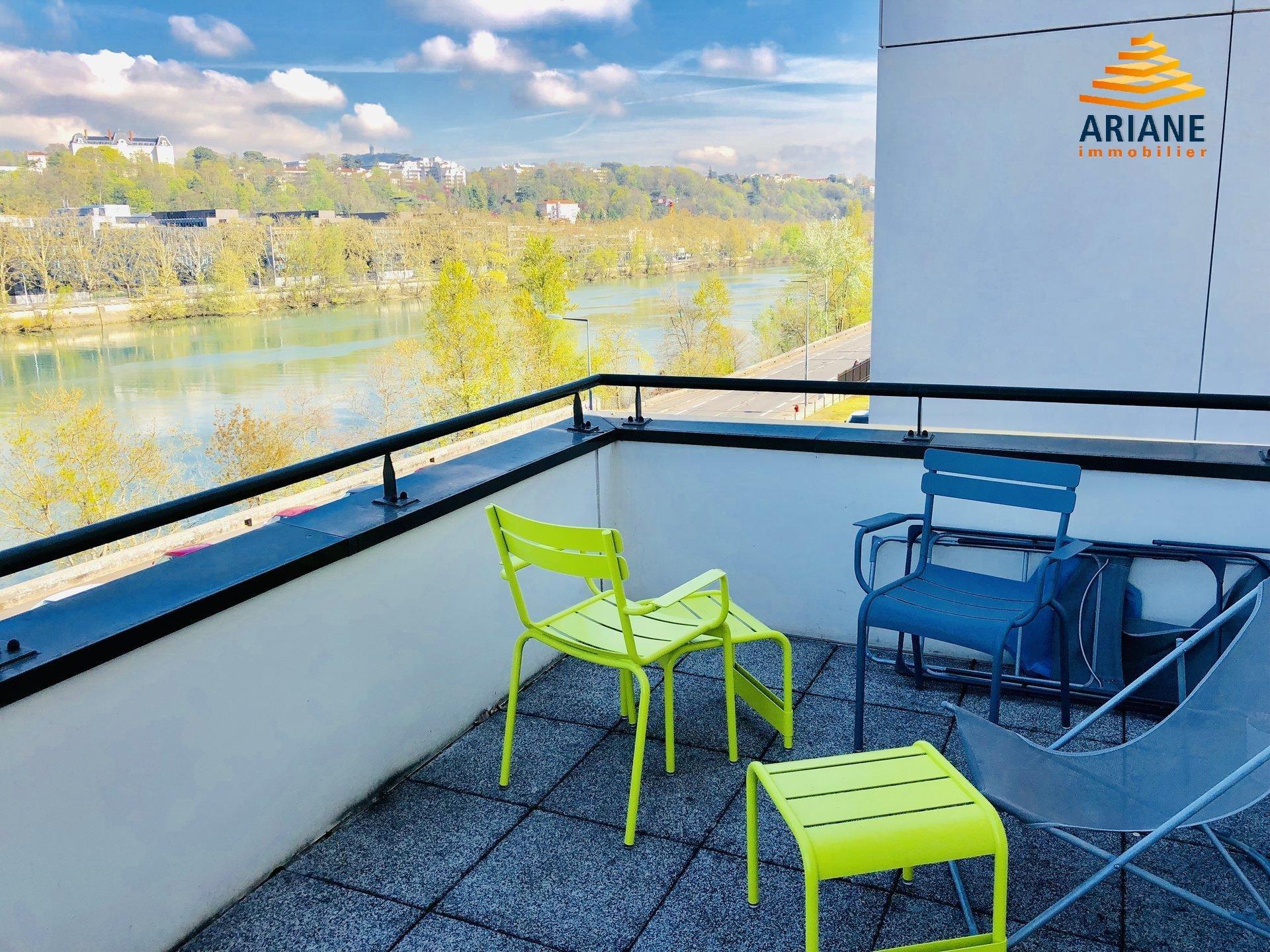 Bureaux à louer lyon 69004 de 264 m2 avec terrasse