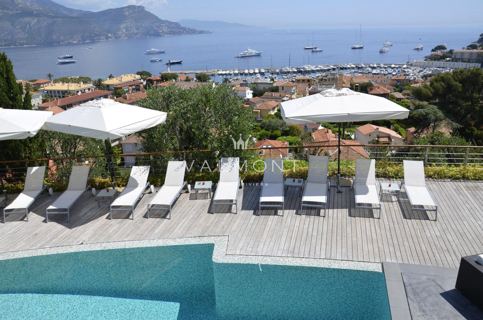 ELEGANT VILLA BOASTING SEA AND VILLAGE VIEWS