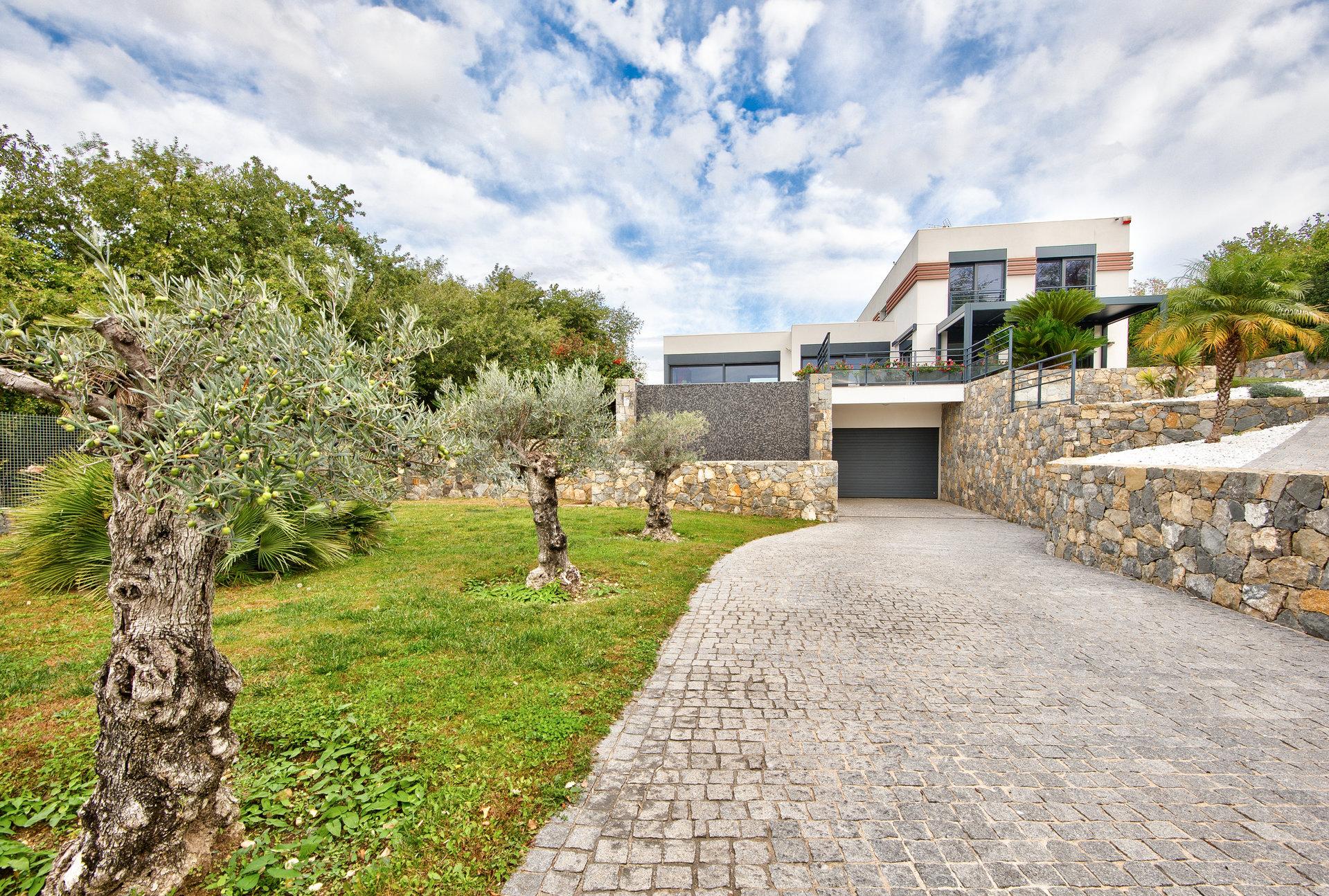 RARE !  Cagnes sur Mer Magnifique villa contemporaine
