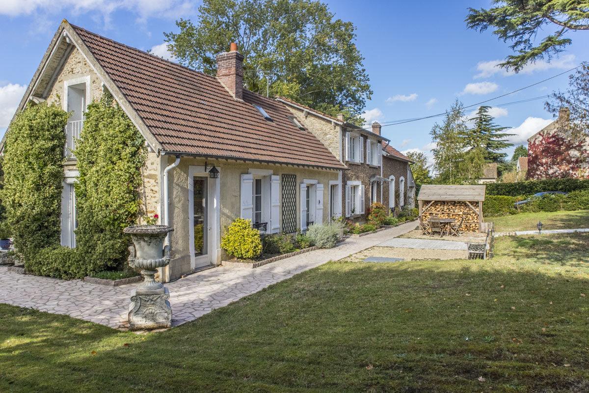 Demeure de charme à La Queue-lez-Yvelines