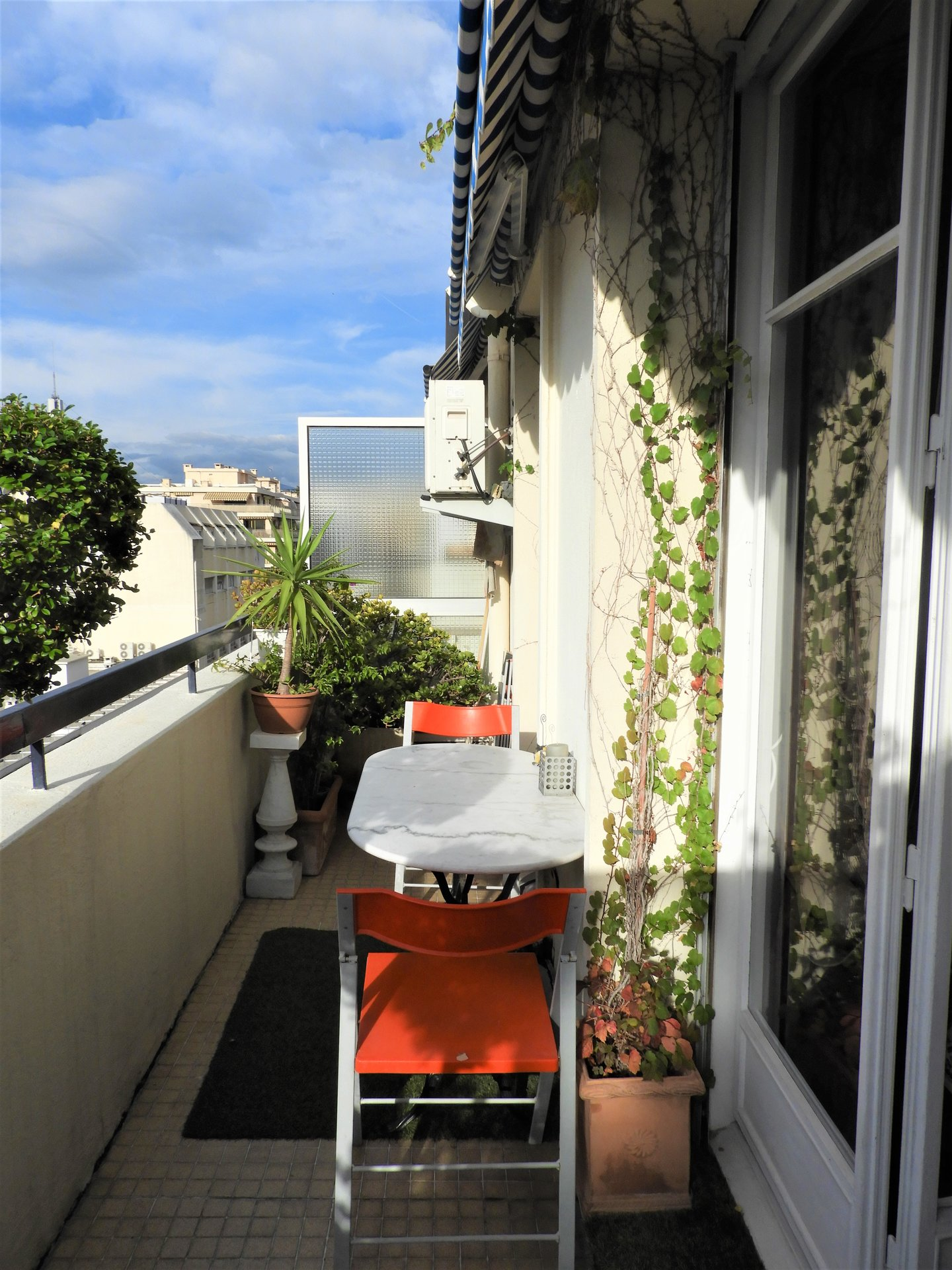 Nice Riquier - beautiful renovated 1 bed apartment with balcony