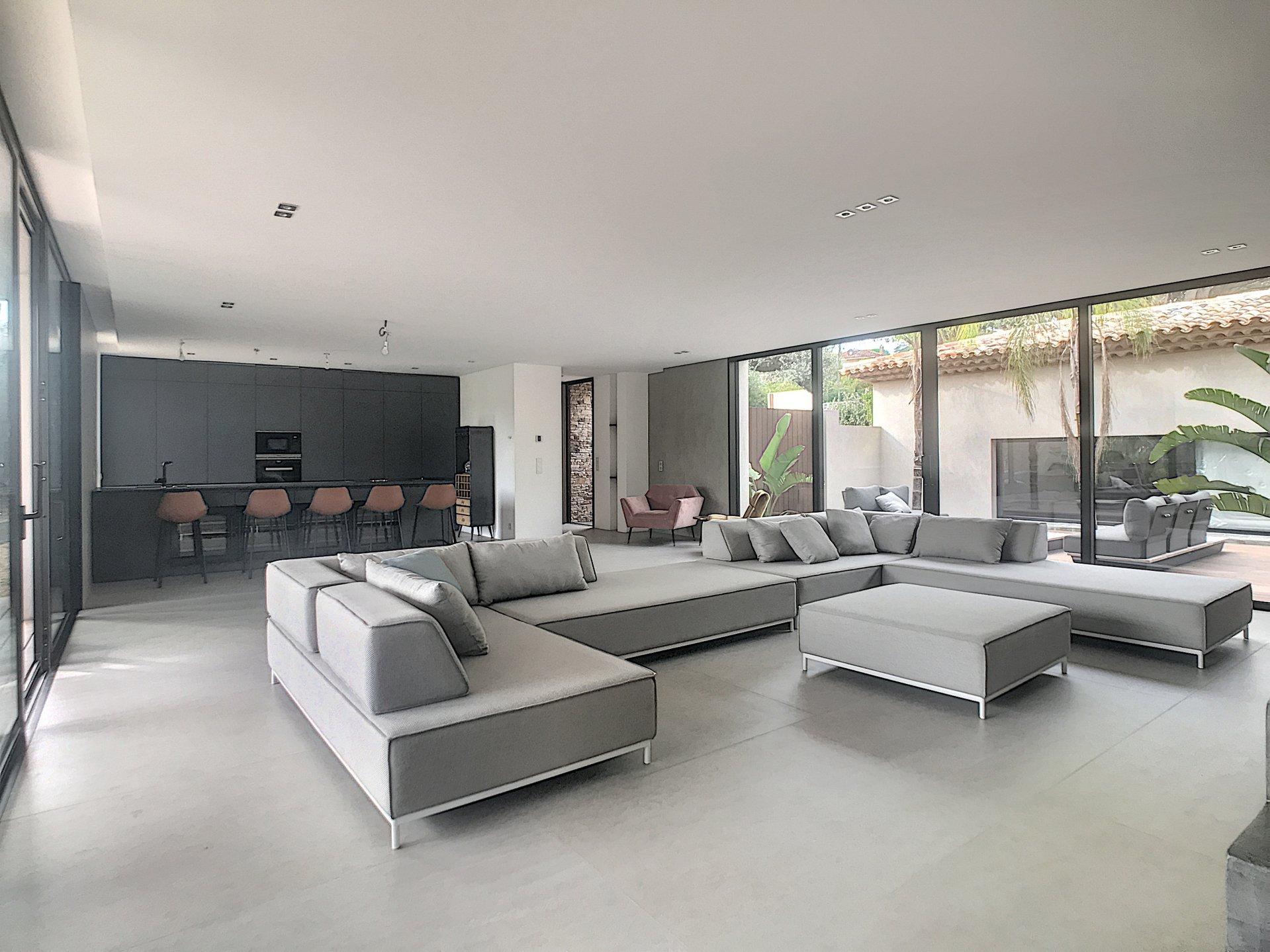 Villa neuve contemporaine Saint Tropez