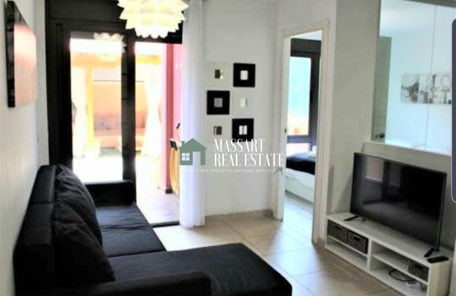 For sale in the coastal area of Palm-Mar, in residential El Mocán, furnished apartment of 49 m2.