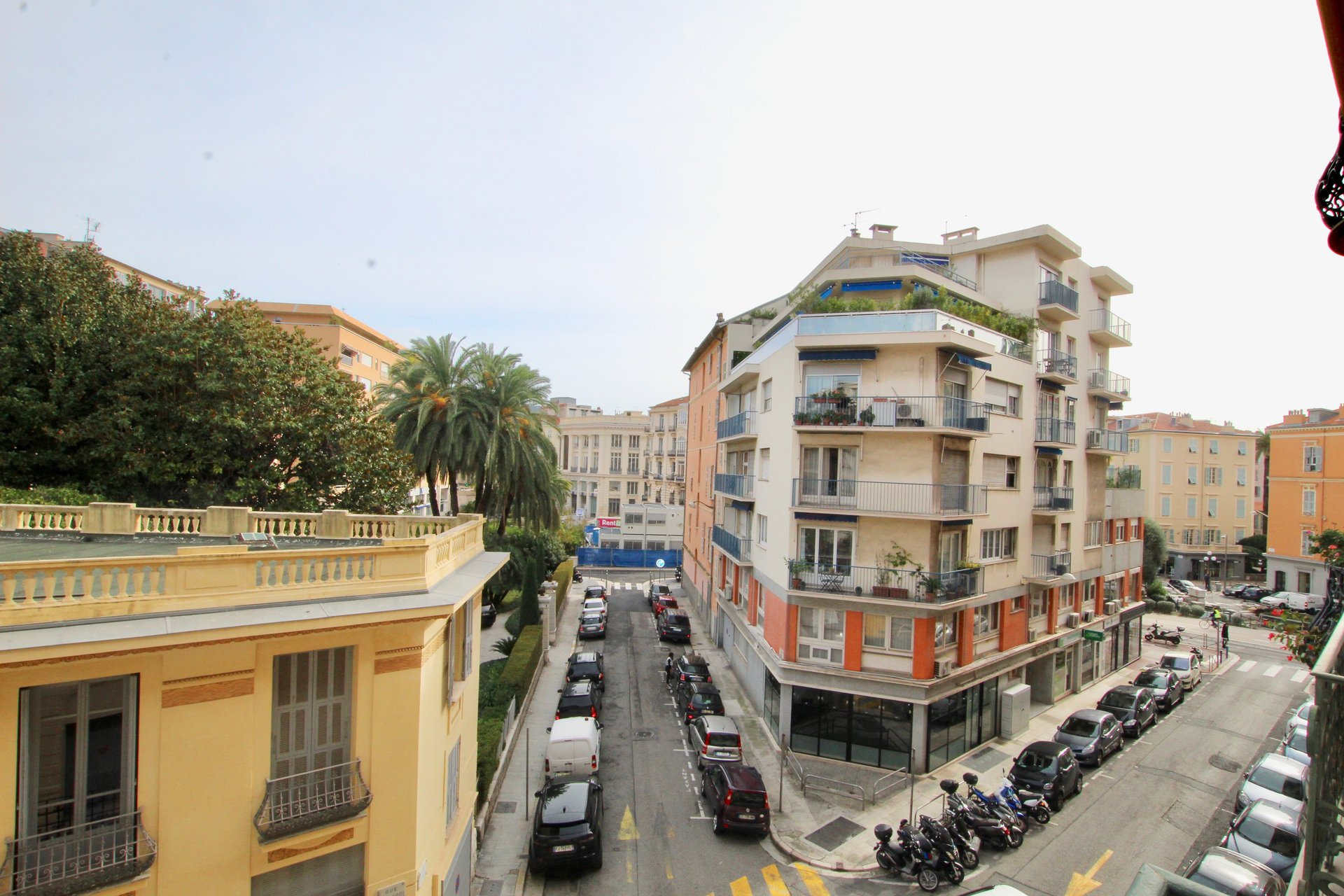 Nice Carré d'Or - Renovated 3-bed apartment with balconies