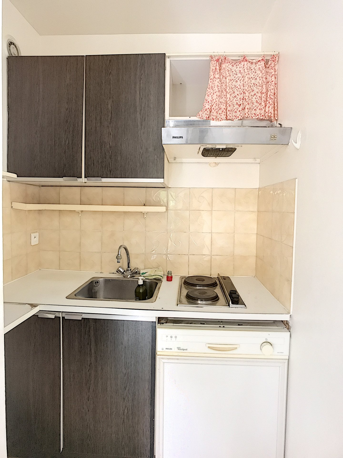 Studio apartment with parking place and cellar