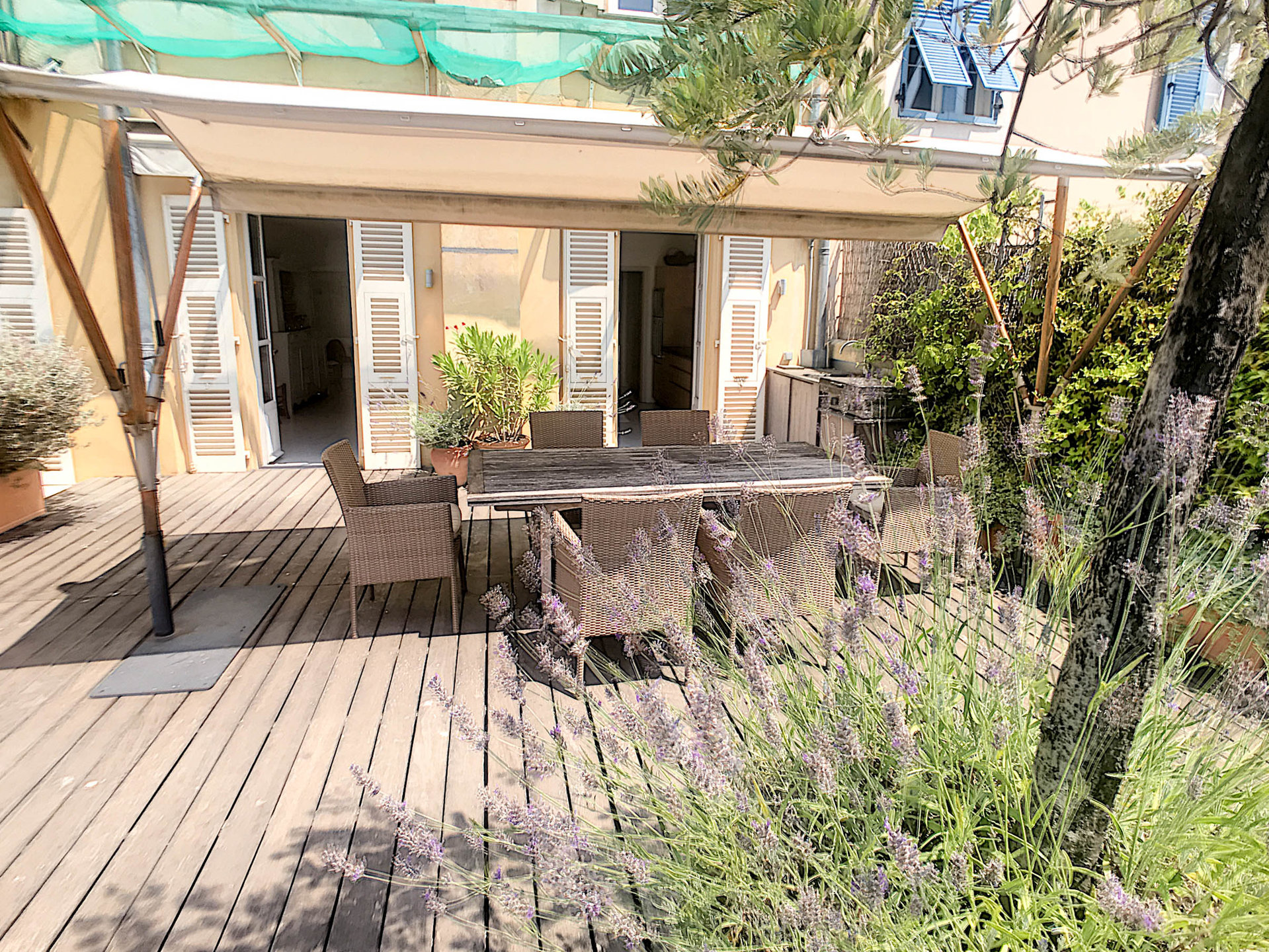 SALE Apartment 4 Rooms Vieux Nice Palais de Justice 90m2 Terrace Calm!