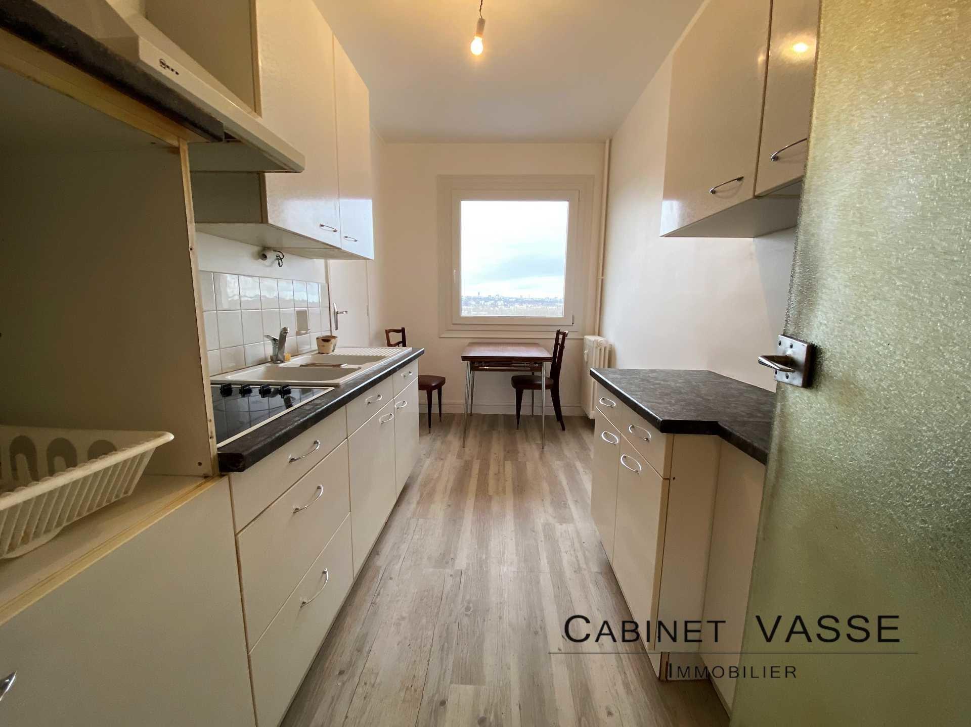 Appartement, cuisine, aménagée, cagibi, vasse, a louer