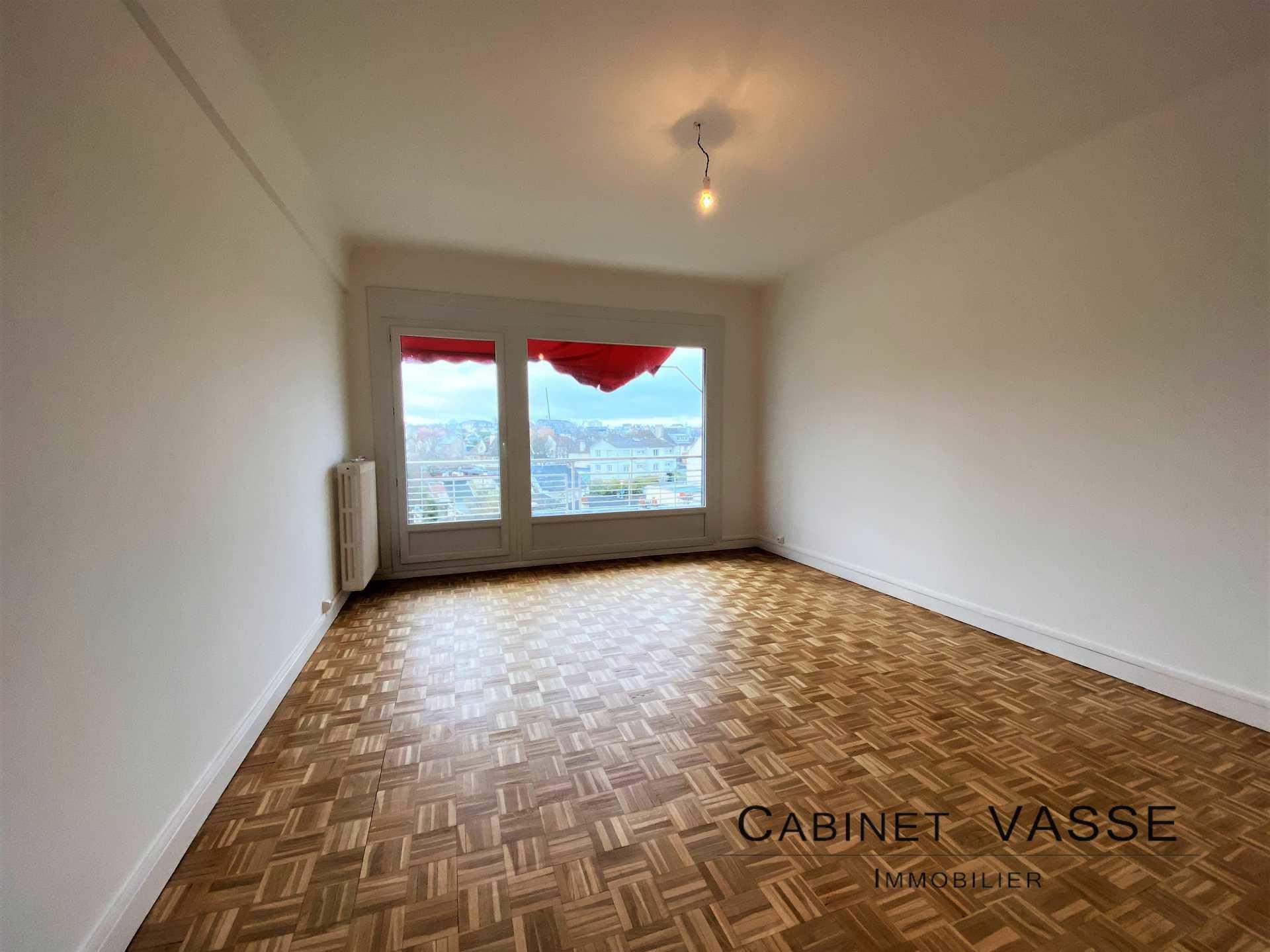 Appartement, parquet, vue dégagée, balcon, vasse, a louer