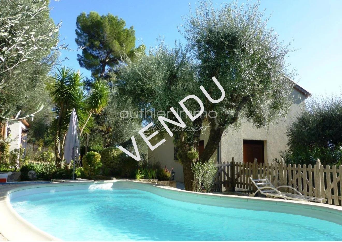 Roquefort Les Pins Vente Villa en 2 Appartements