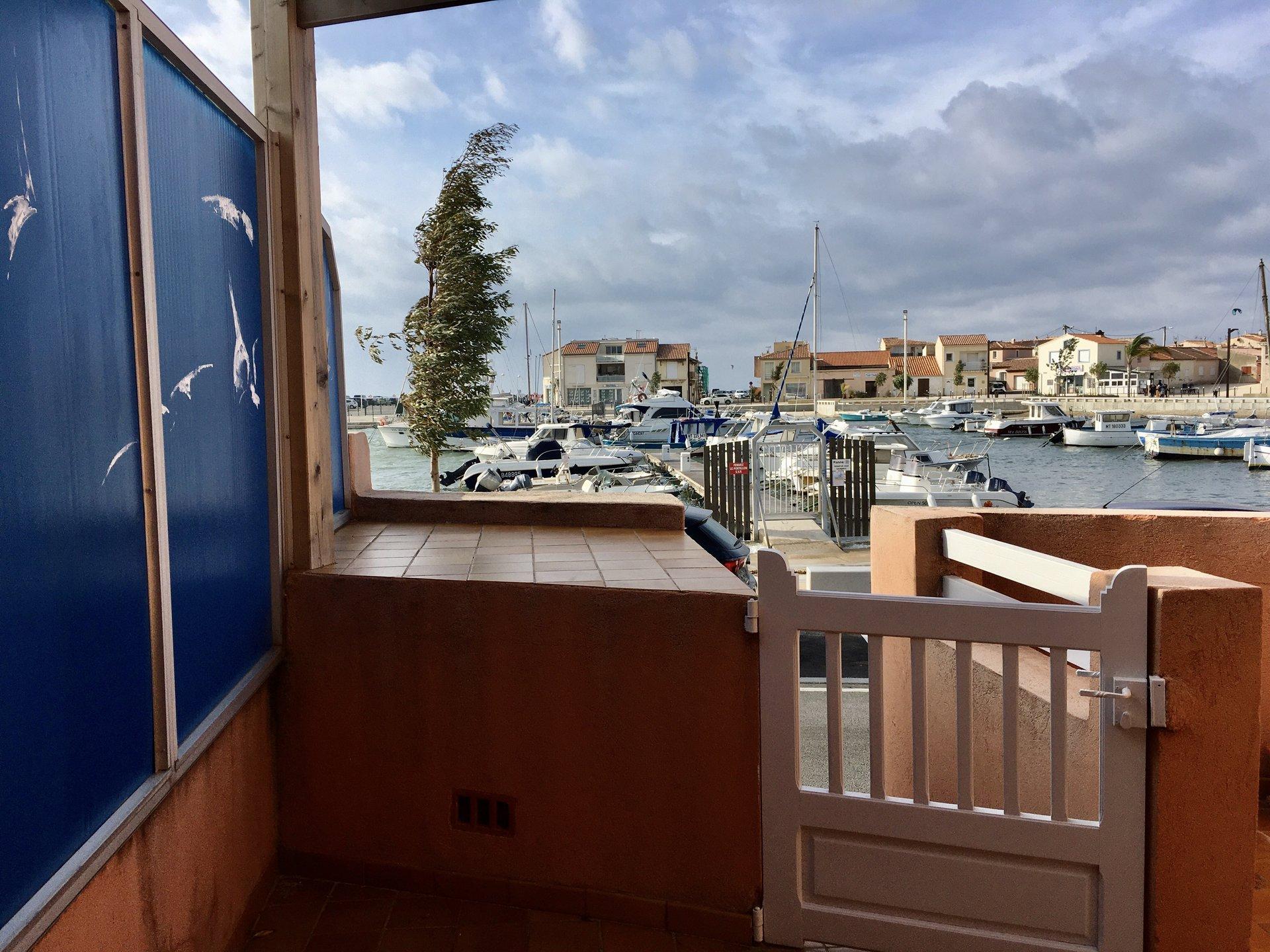 Maison de pêcheur pieds dans l'eau Carro