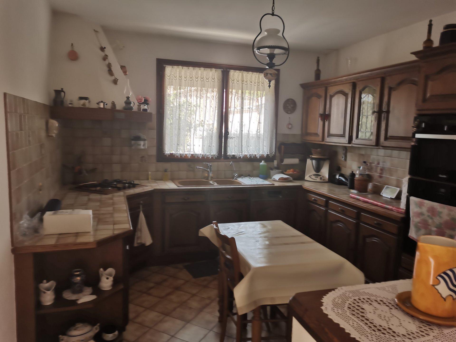 ST ANTONIN , maison de 140 m² avec 2 ch avec ss sol aménagé +  garage