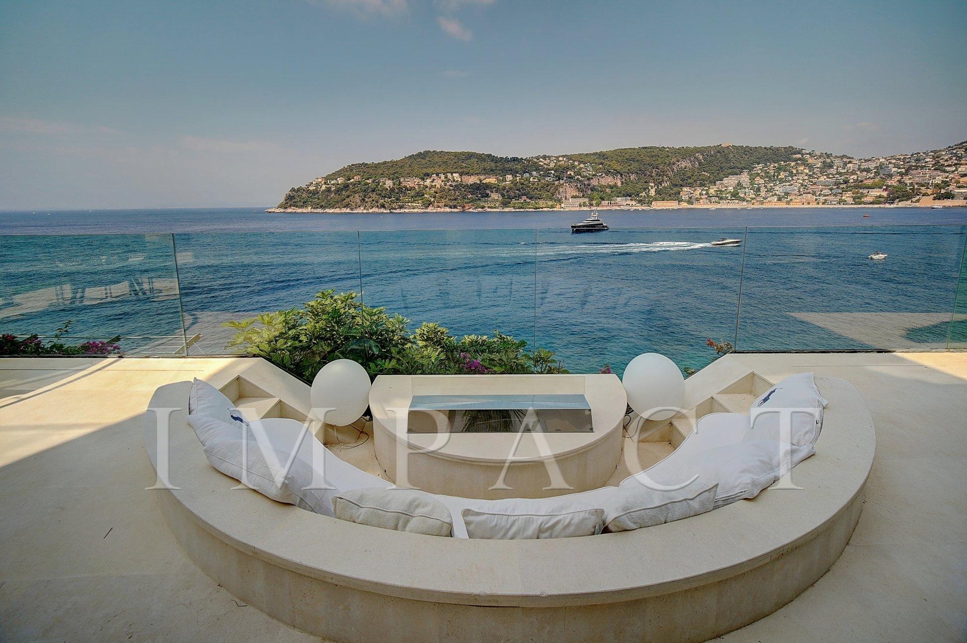 Sea front villa to rent in Saint Jean Cap Ferrat