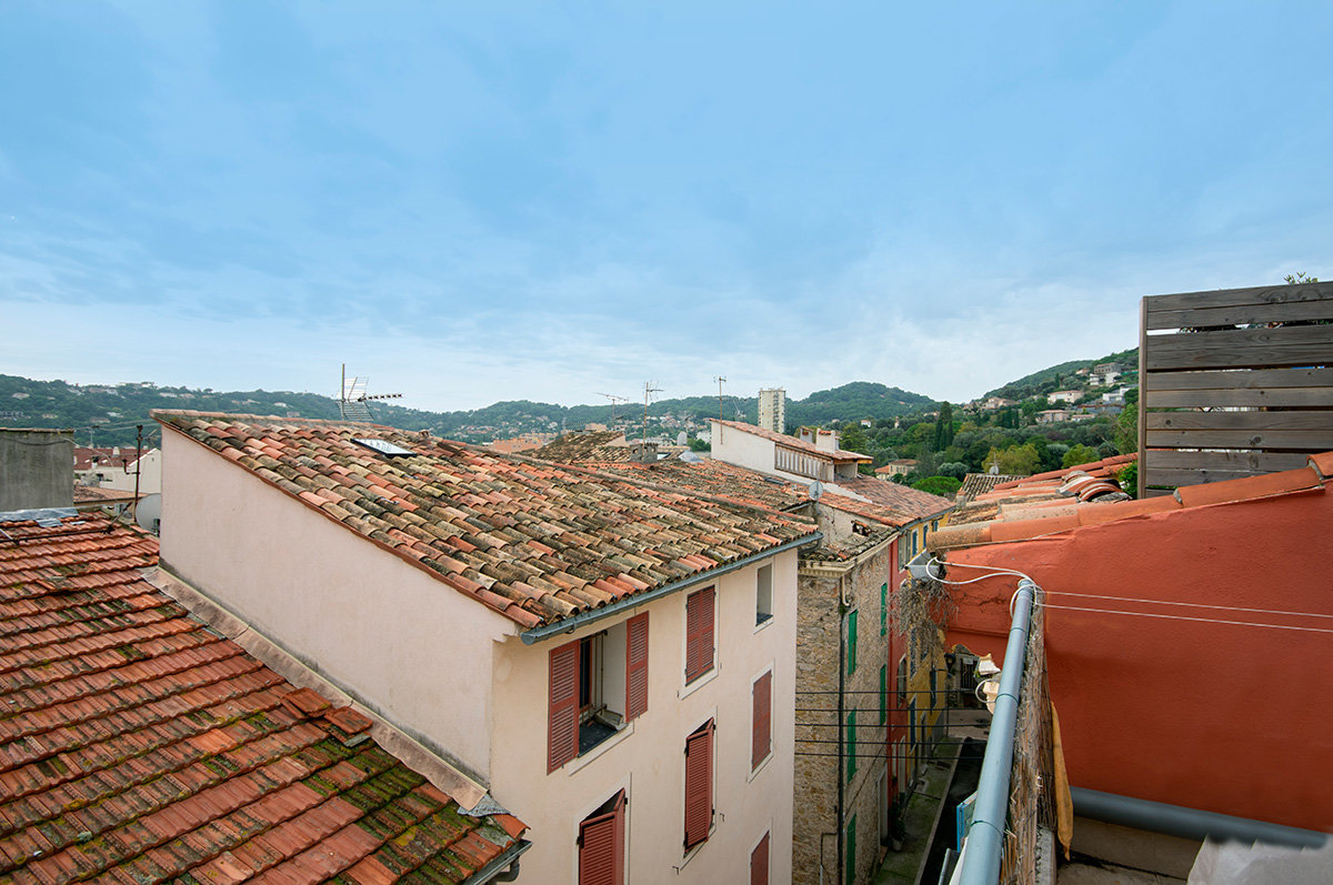 Charming village house with south facing roof terrace.