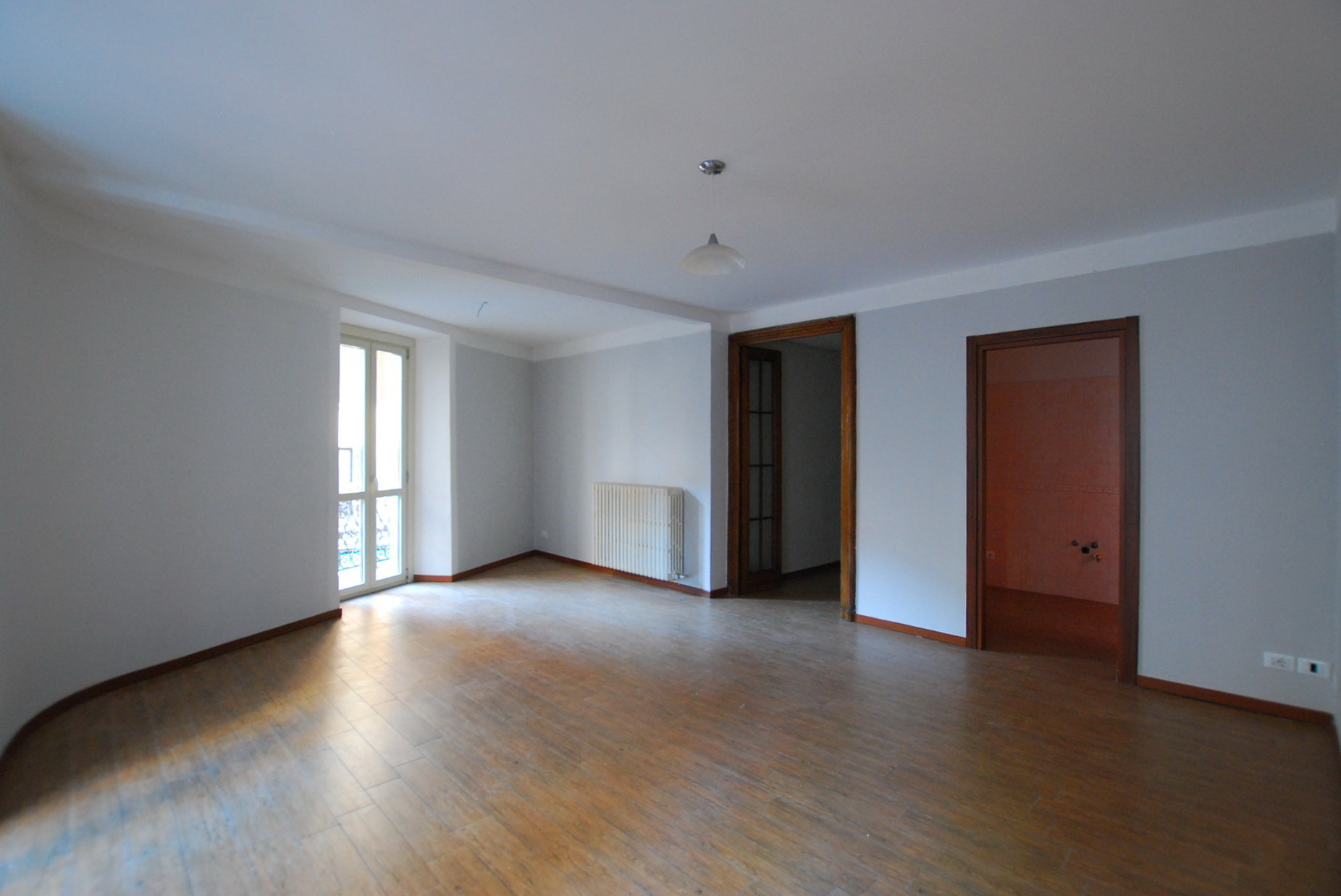 Rent apartment in the centre of Stresa- wide living room