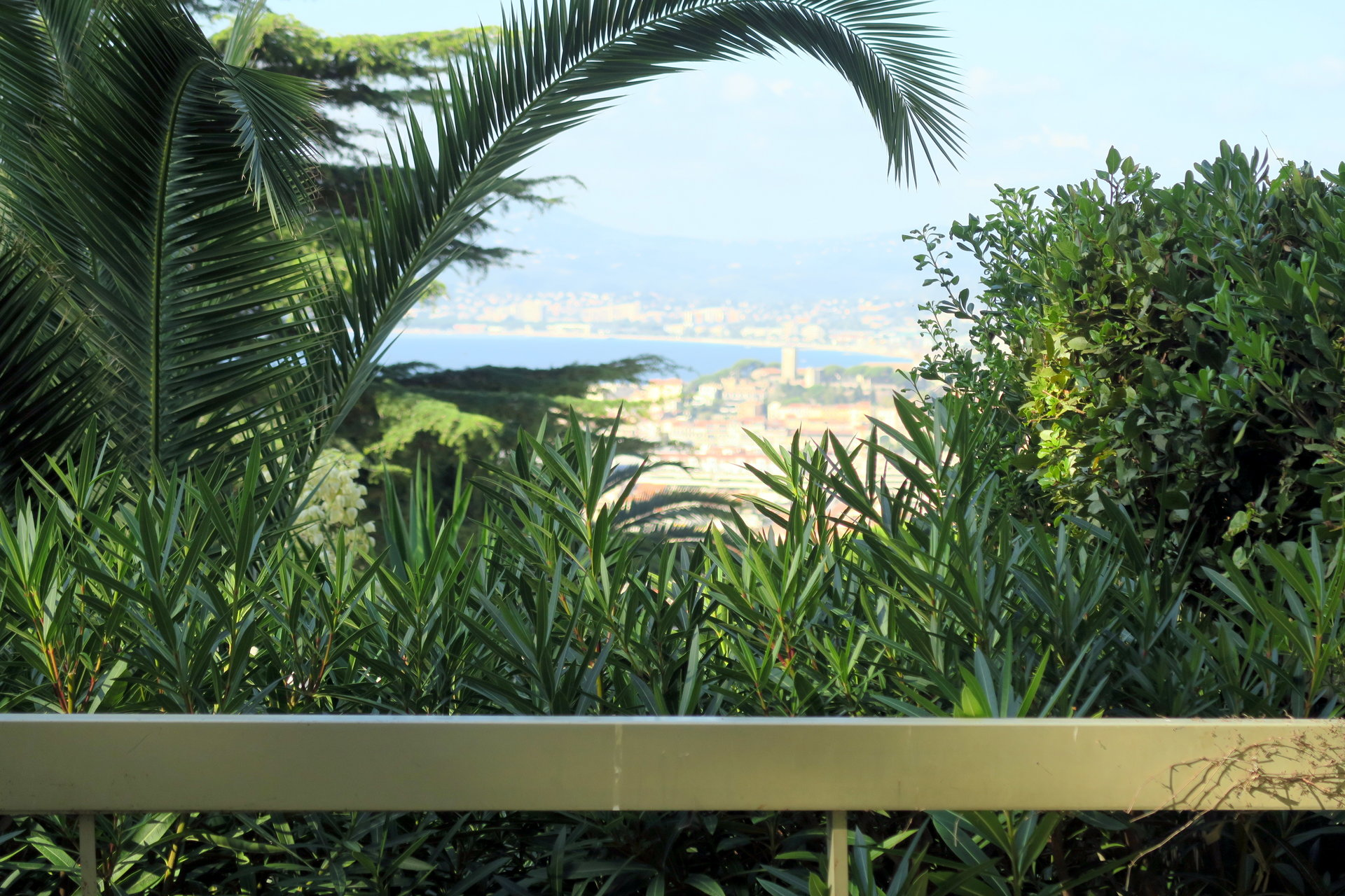 CANNES CALIFORNIE - BEAUTIFUL 1-BEDROOM APARTMENT