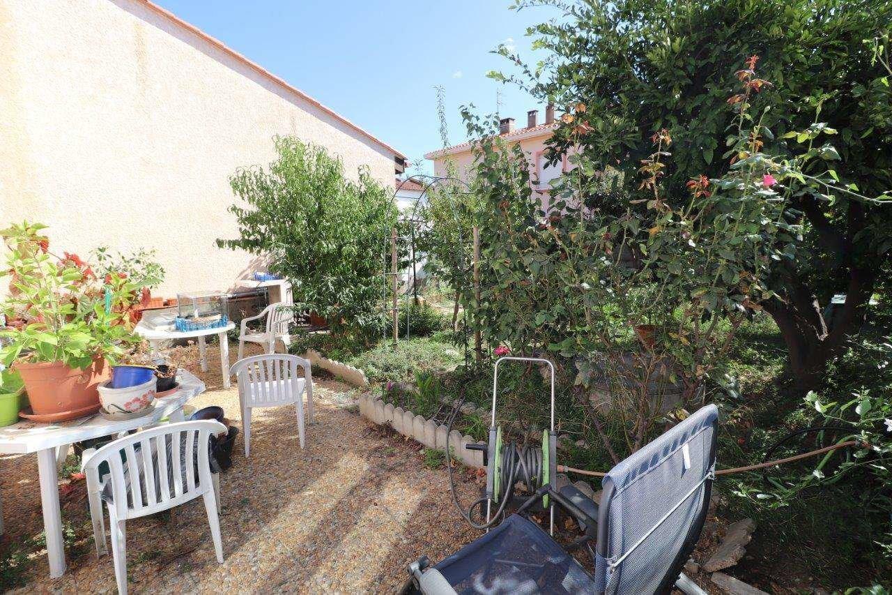 Villa T5  avec garage et jardin, Saint-Assiscle