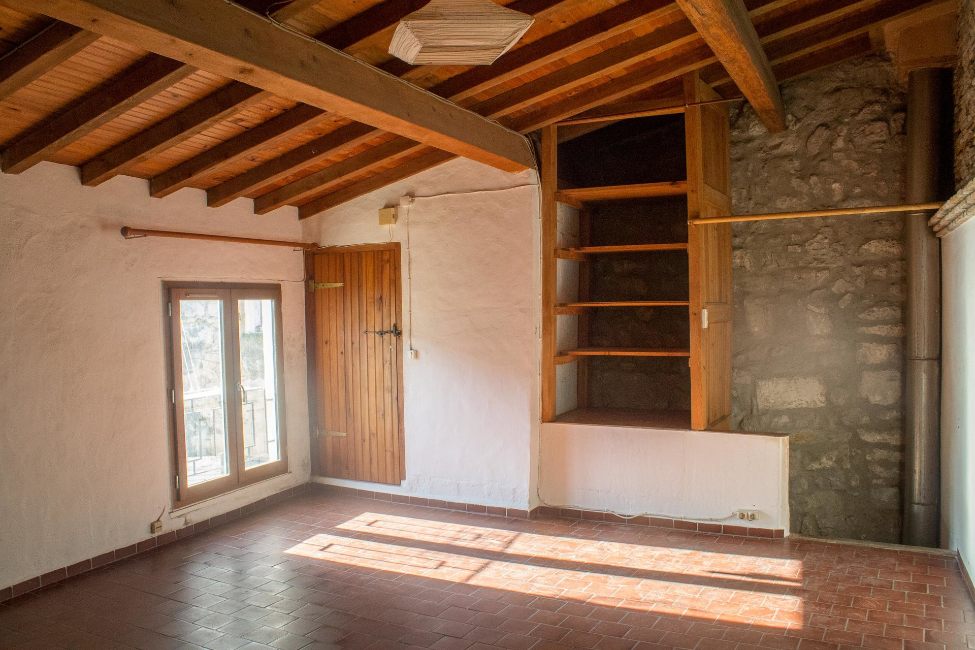 70 m² IN A QUIET CENTRAL AREA OF ARLES