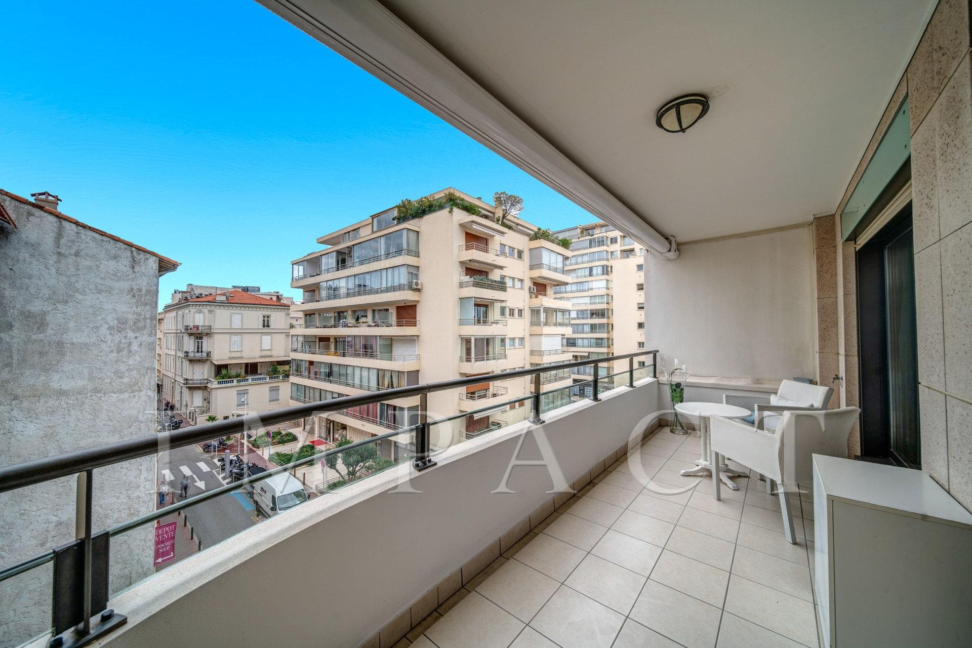 One bedroom apartment to rent Center of Cannes