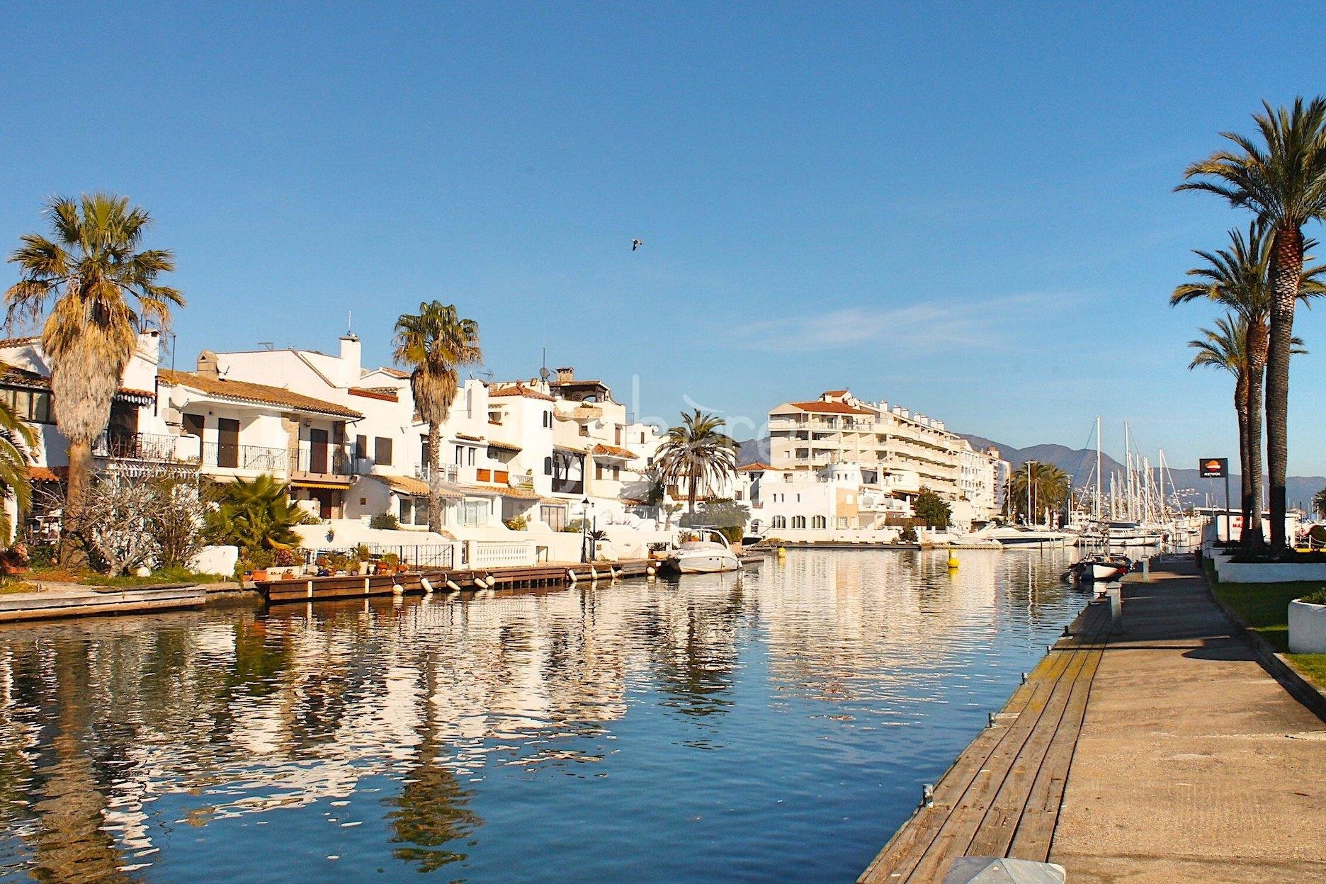 Sale Apartment - Empuriabrava - Spain