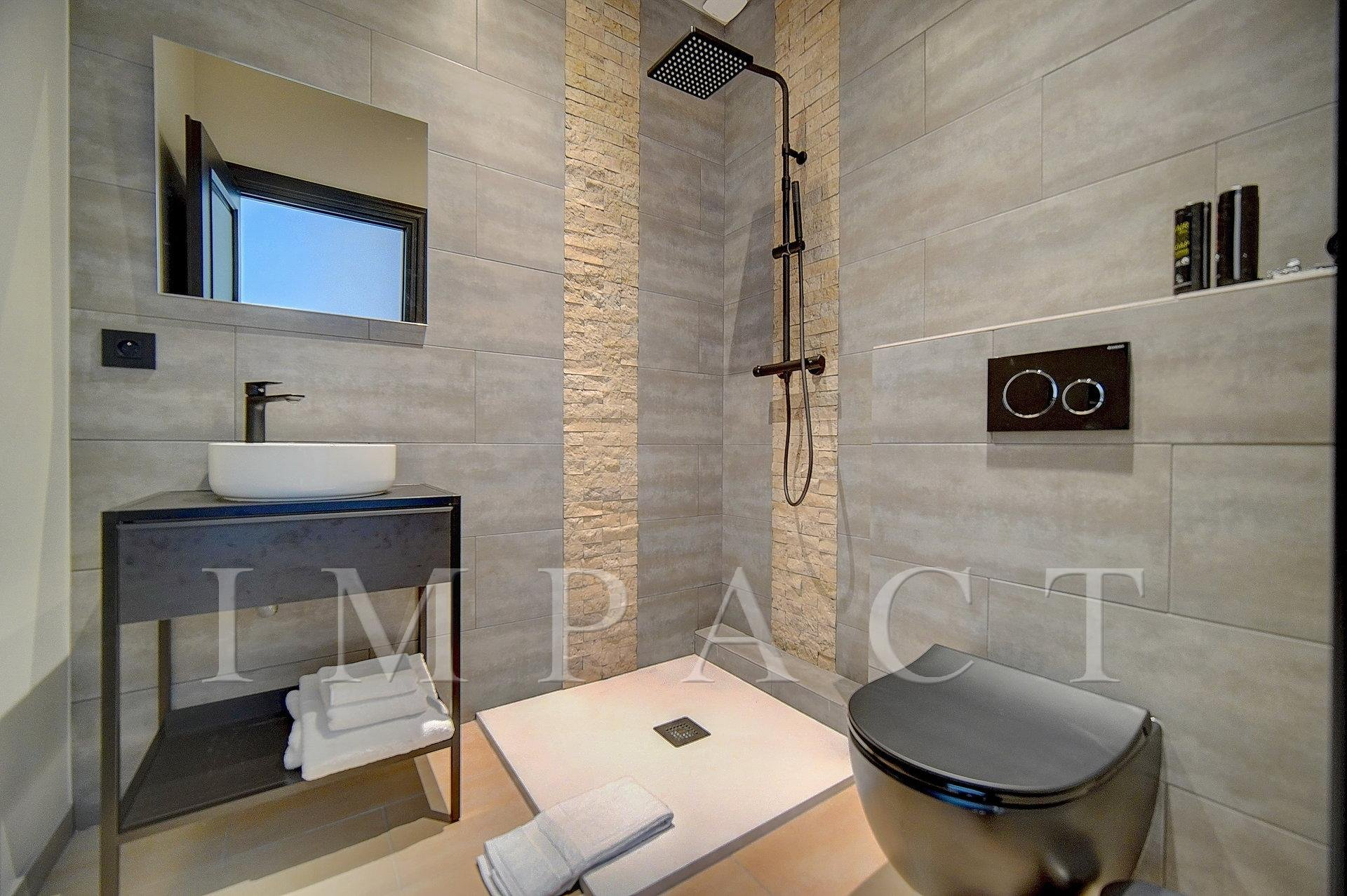 5 bedrooms apartment to rent  Center of  Cannes