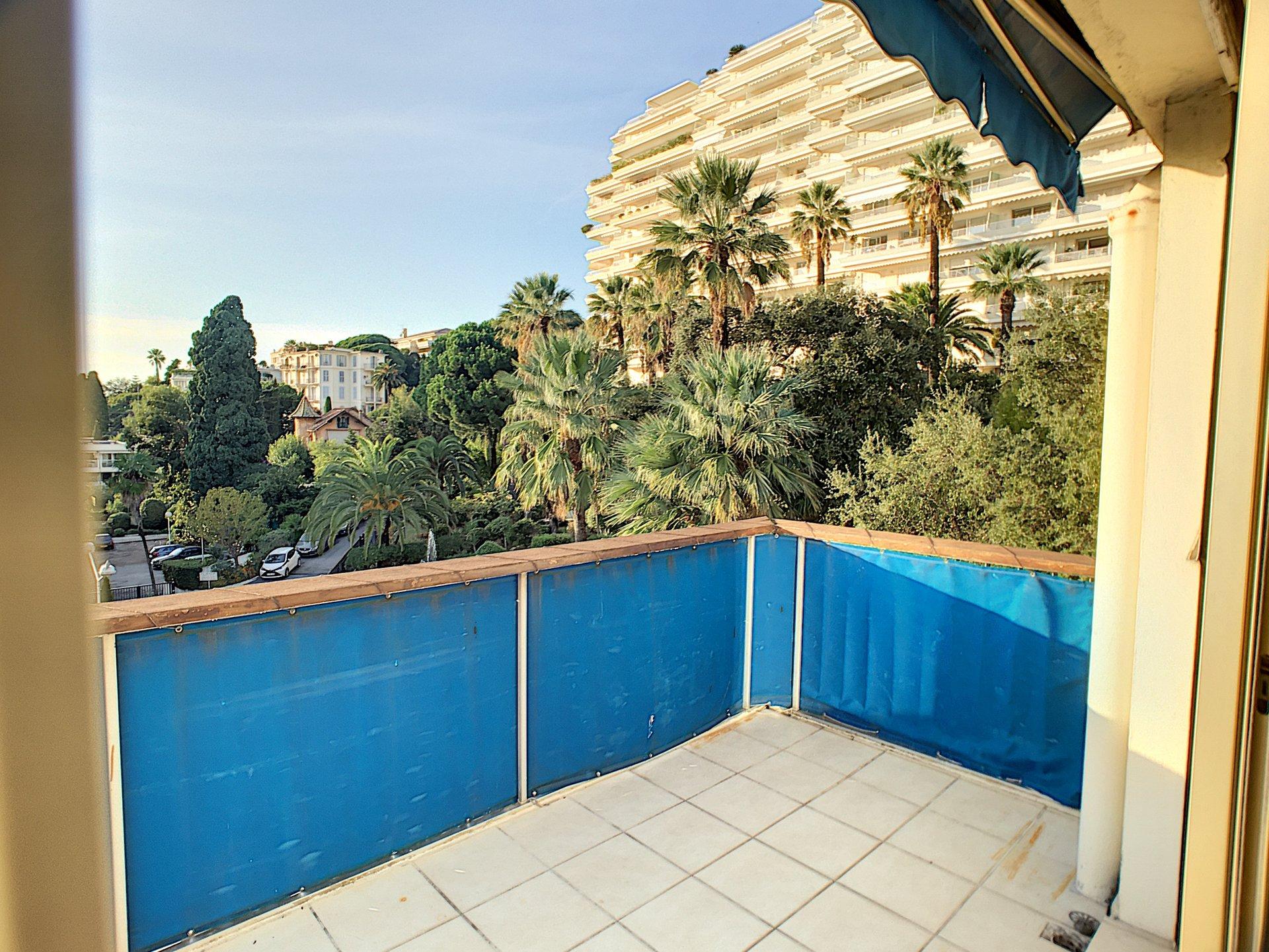 Sole Agent. Cannes Basse Californie- 2 P 49 sq.m terrace