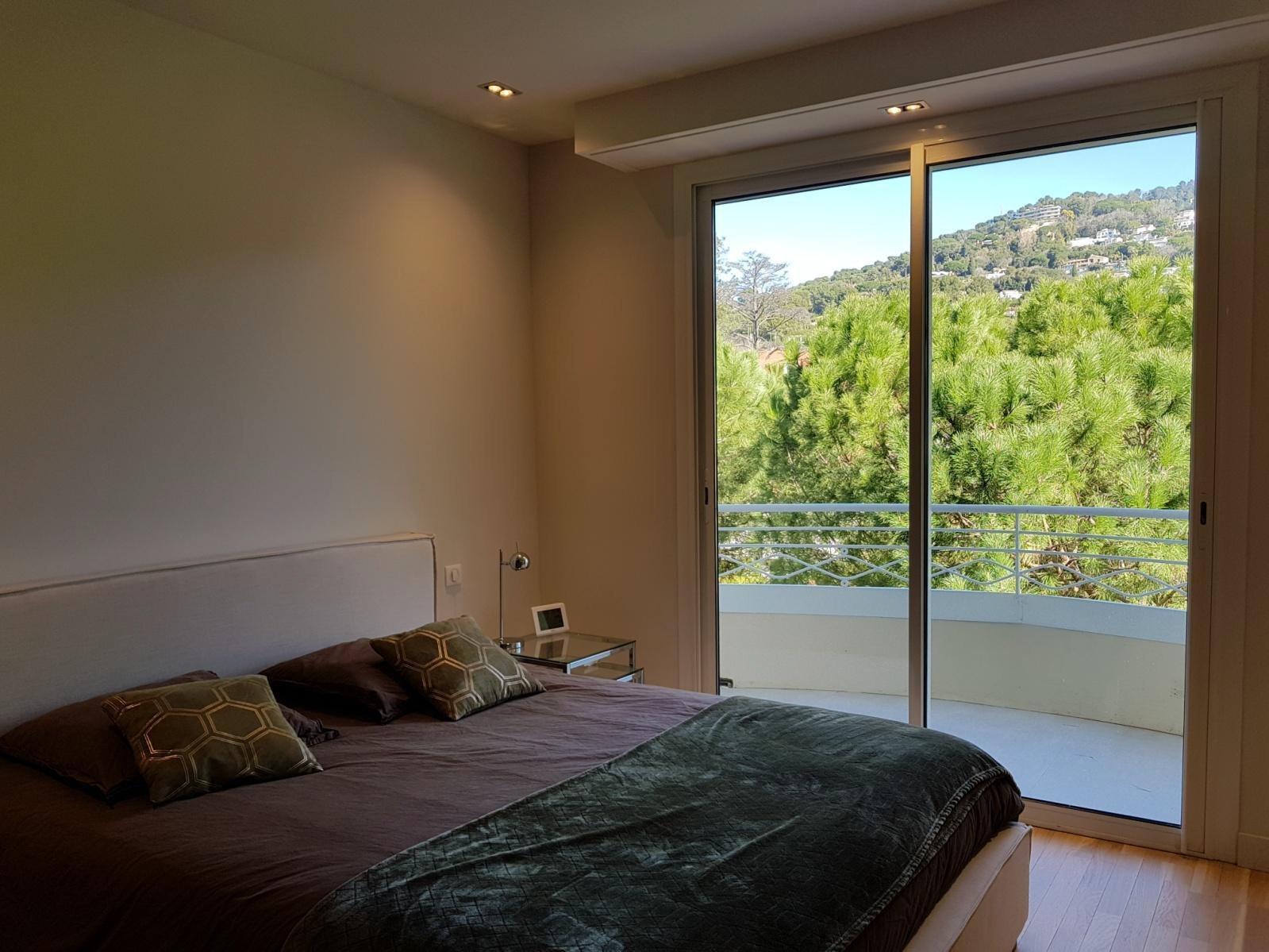 Cannes Californie Montrose - Unique top floor apartment with rooftop terrace