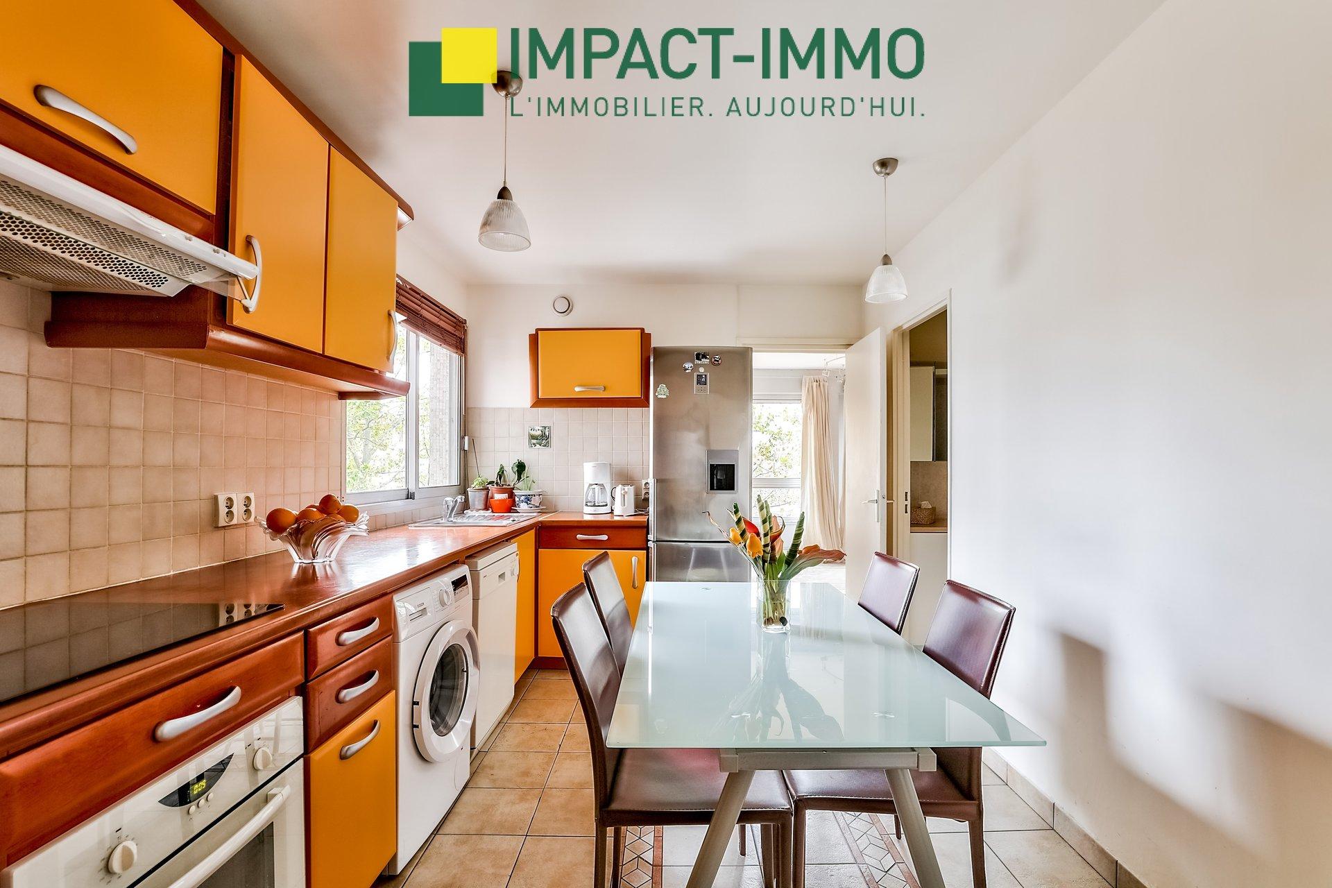 A Vendre Appartement Courbevoie 3 pièce(s) 82 m2 + Parking