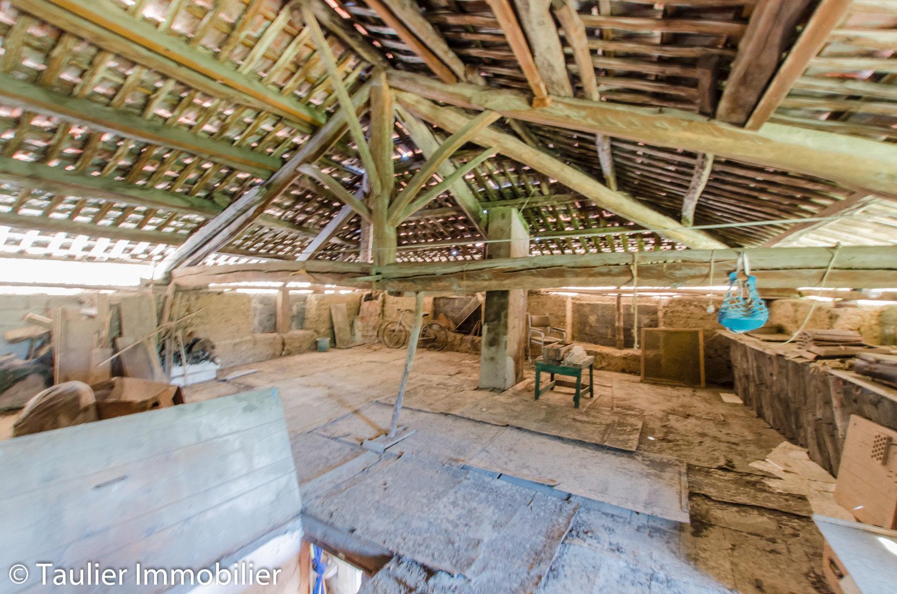 Maison à rénover sur 2 niveaux indépendants