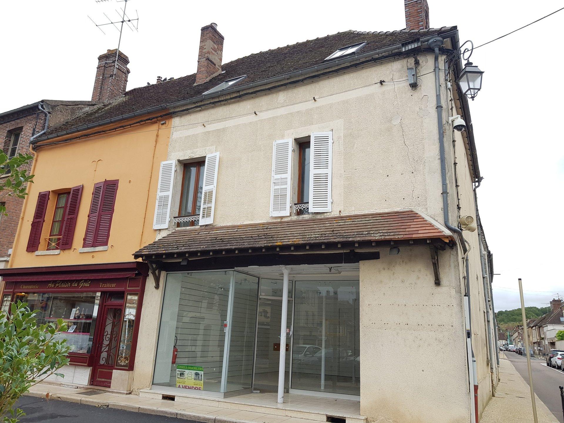 Sale Building - Villeneuve Sur Yonne