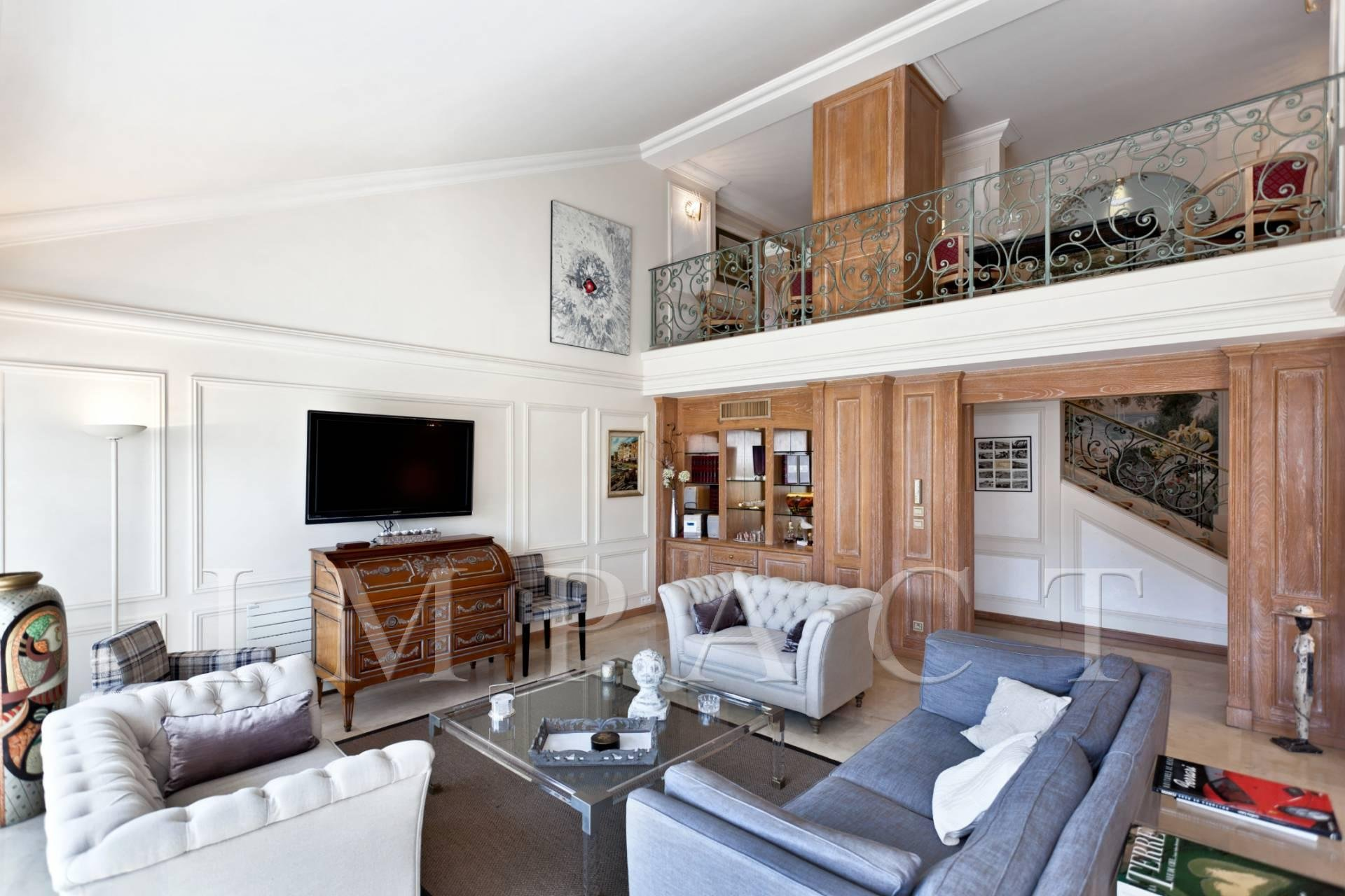 Penthouse Duplex to rent in Cannes